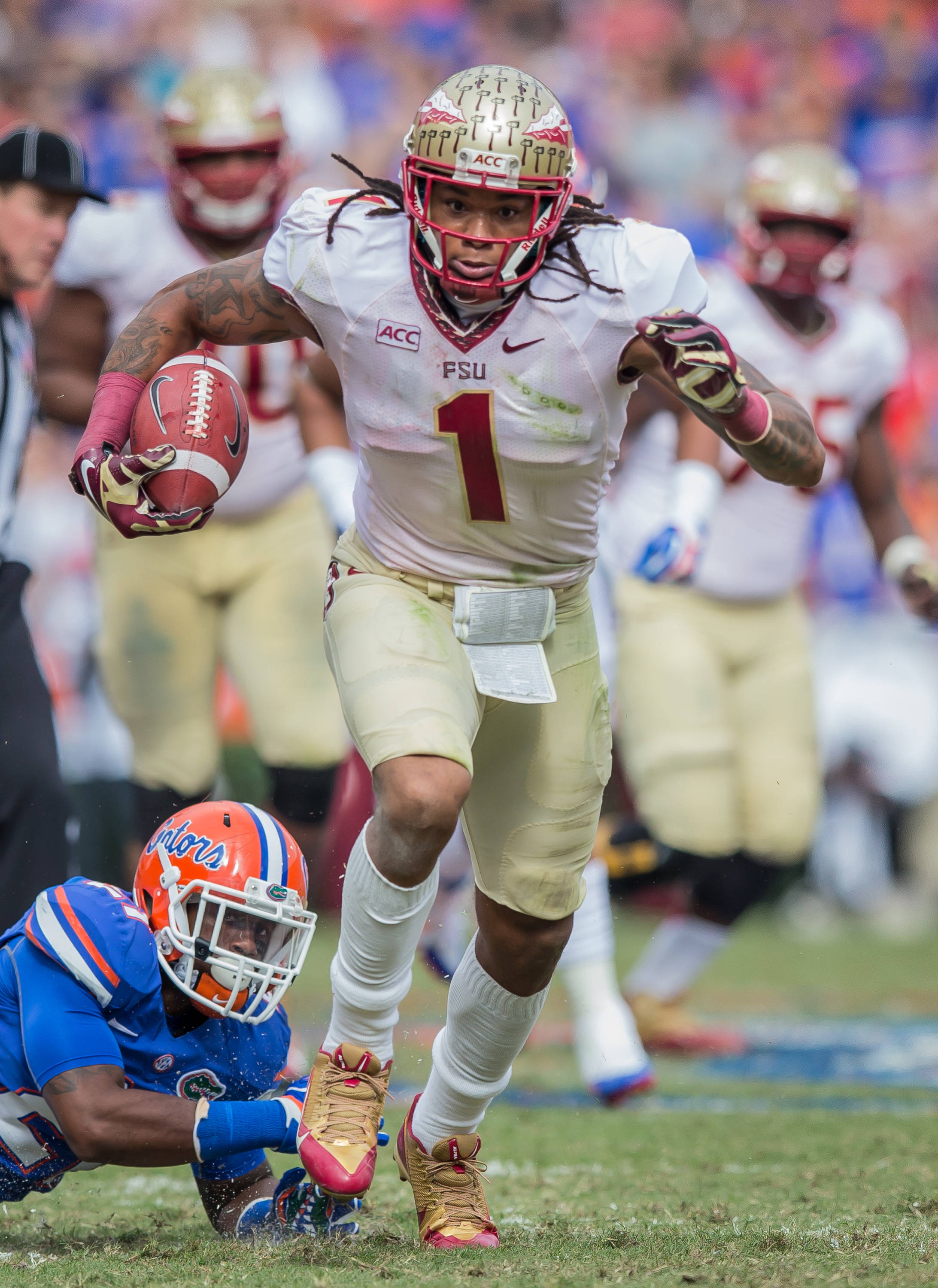 Kelvin Benjamin (1) refused to be tackled in scoring the Noles 1st TD.