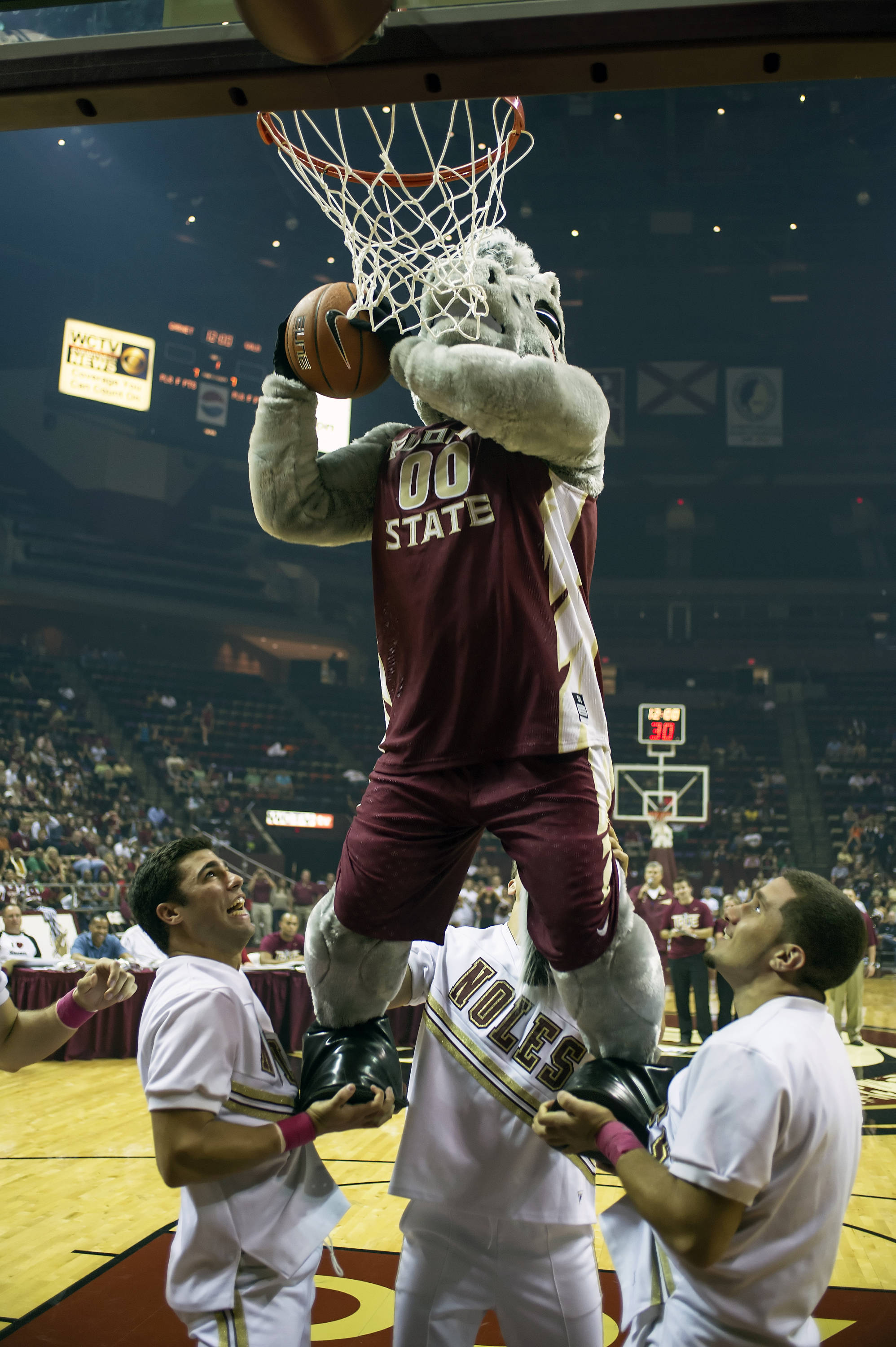 Cimarron gets in on the slam dunk contest