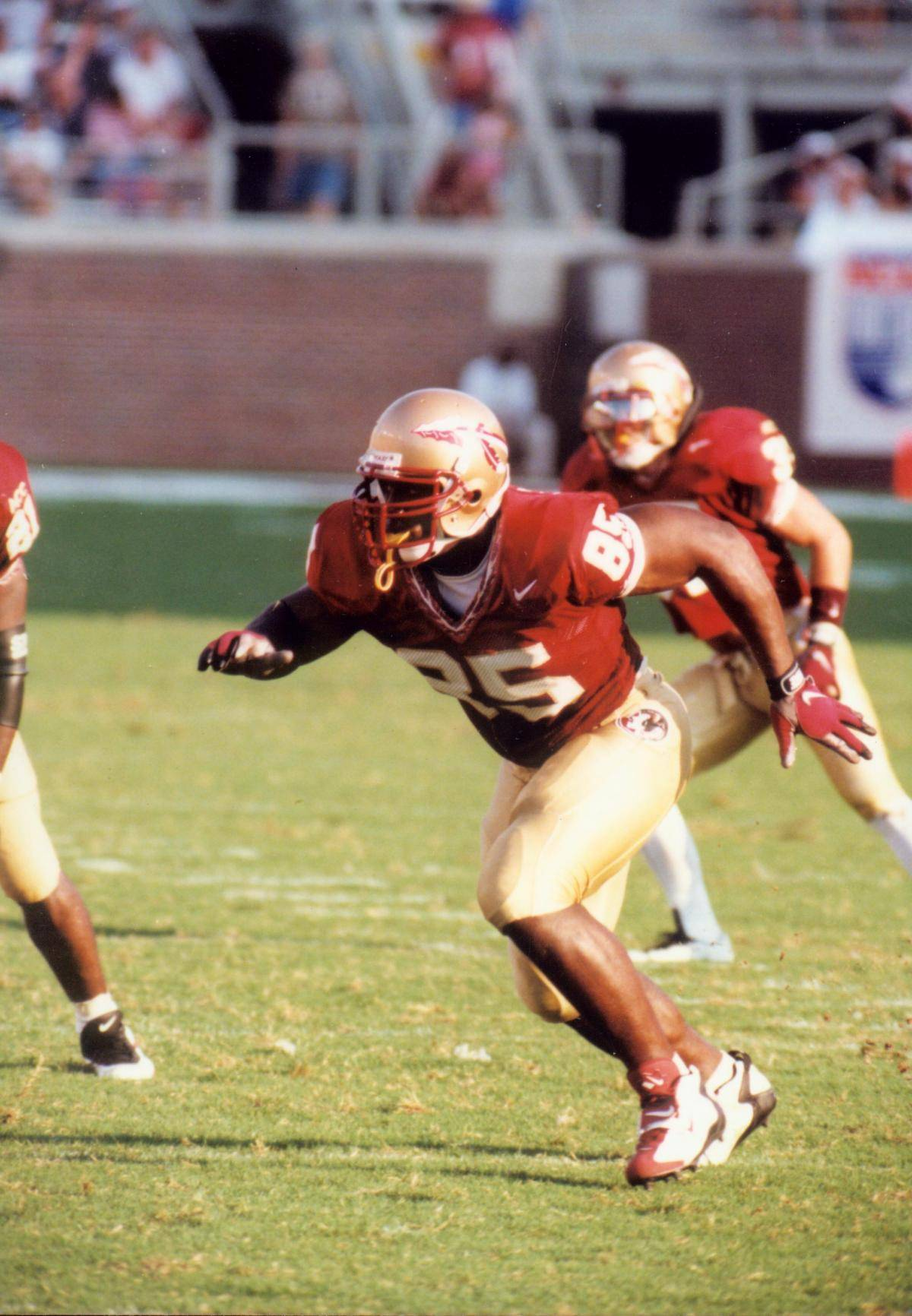 April 3, 2007: Former Seminole Andre Wadsworth, the third overall in the 1998 NFL#$%^Draft, has signed a contract to play for the New York Jets.