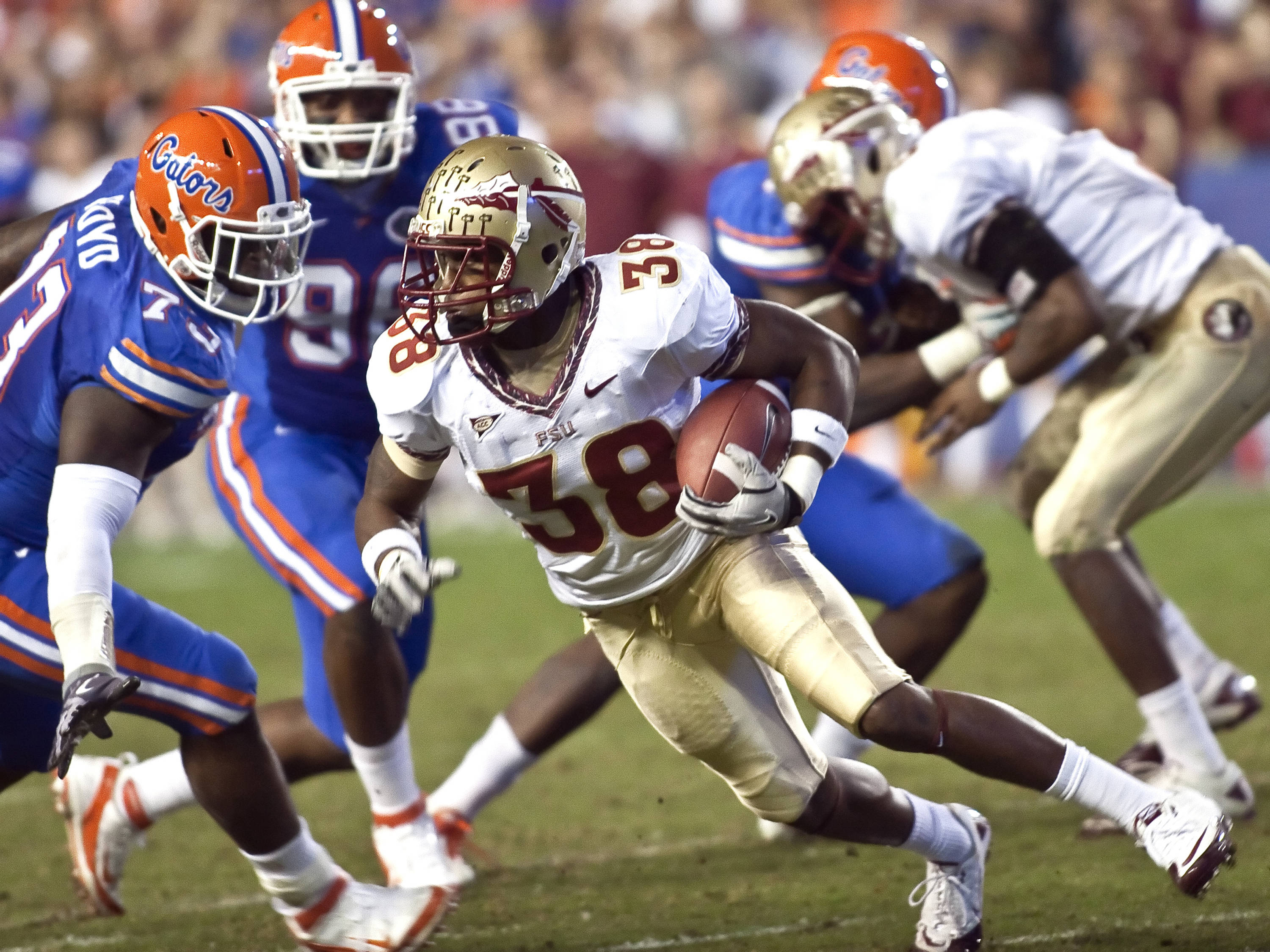 Jermaine Thomas (38) reversing his run, FSU vs Florida, 11/26/2011