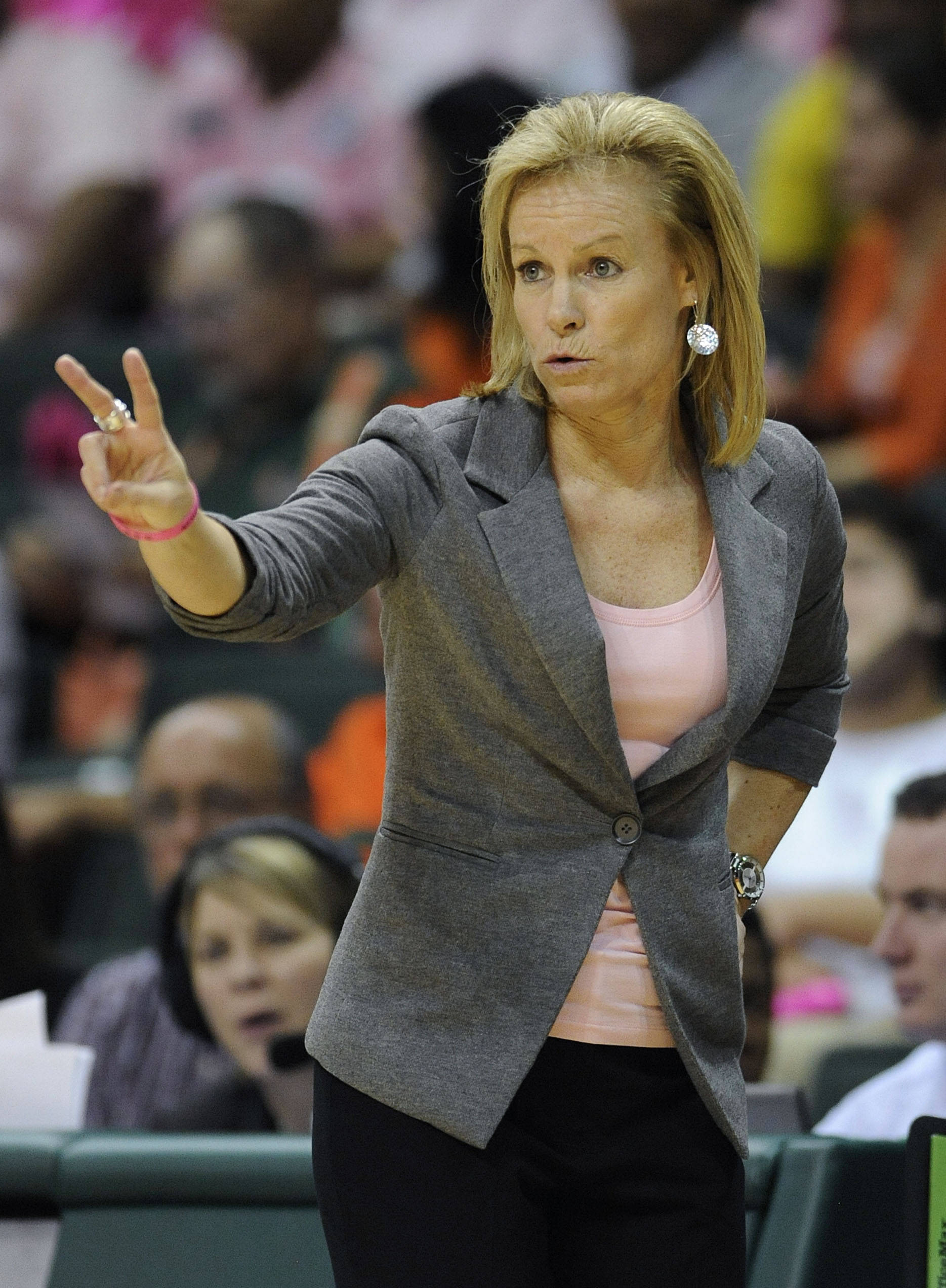 Florida State head coach Sue Semrau gestures from the bench during the second half of an NCAA college basketball game against Miami, Sunday, Feb. 19, 2012, in Coral Gables, Fla. Miami defeated Florida State 67-60. (AP Photo/Rhona Wise)