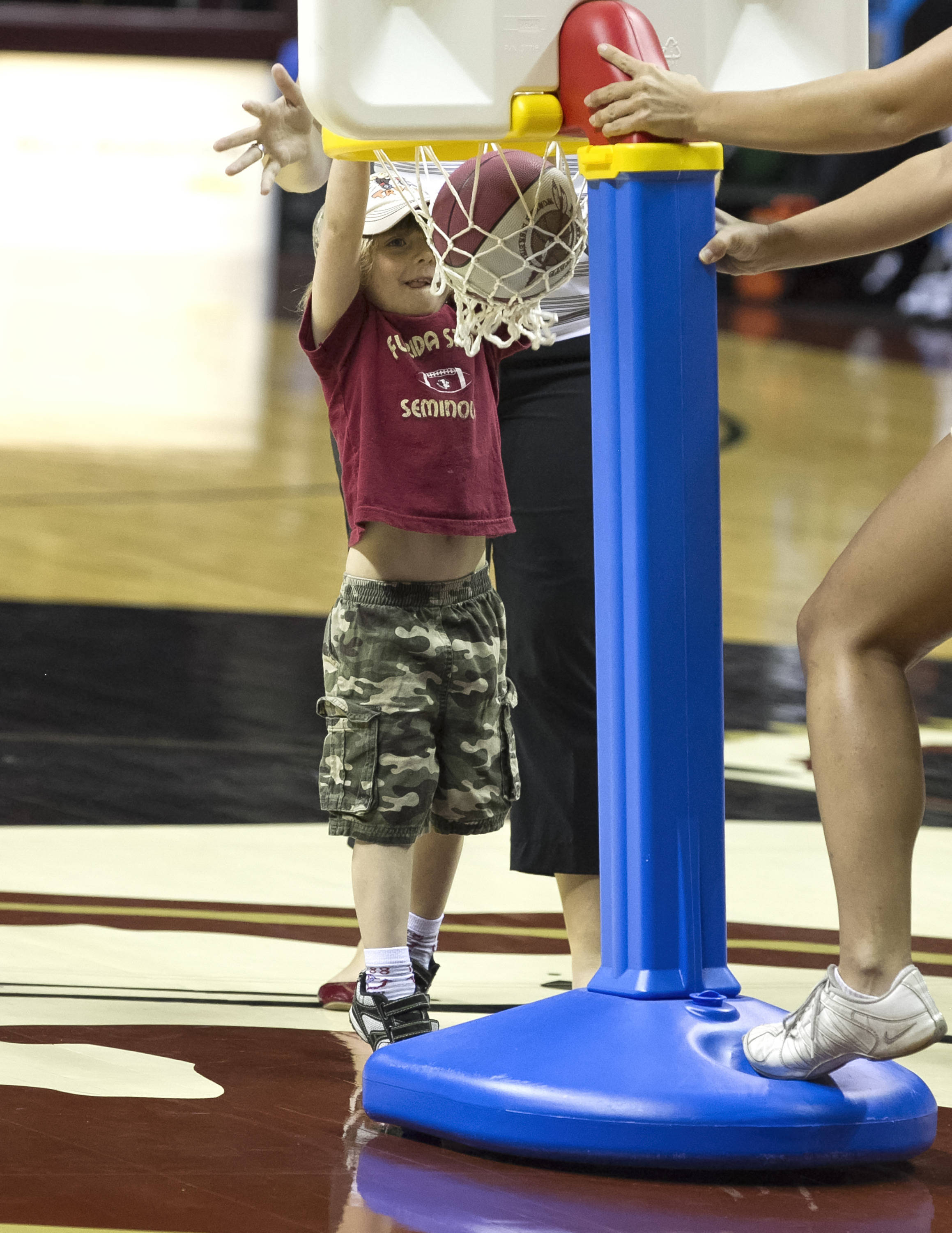 "Noles fan with a ""big dunk"", FSU vs Michigan State, 12-04-13,  (Photo by Steve Musco)"