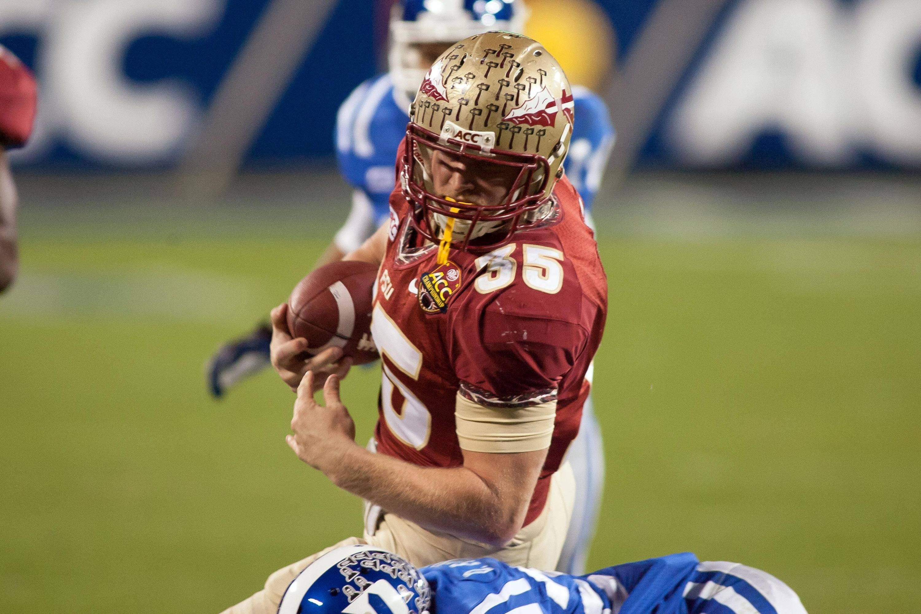 Dec 7, 2013; Charlotte, NC, USA; Florida State Seminoles tight end Nick O'Leary (35) runs after catching a pass during the third quarter against the Duke Blue Devils at Bank of America Stadium. FSU defeated Duke 45-7. Mandatory Credit: Jeremy Brevard-USA TODAY Sports