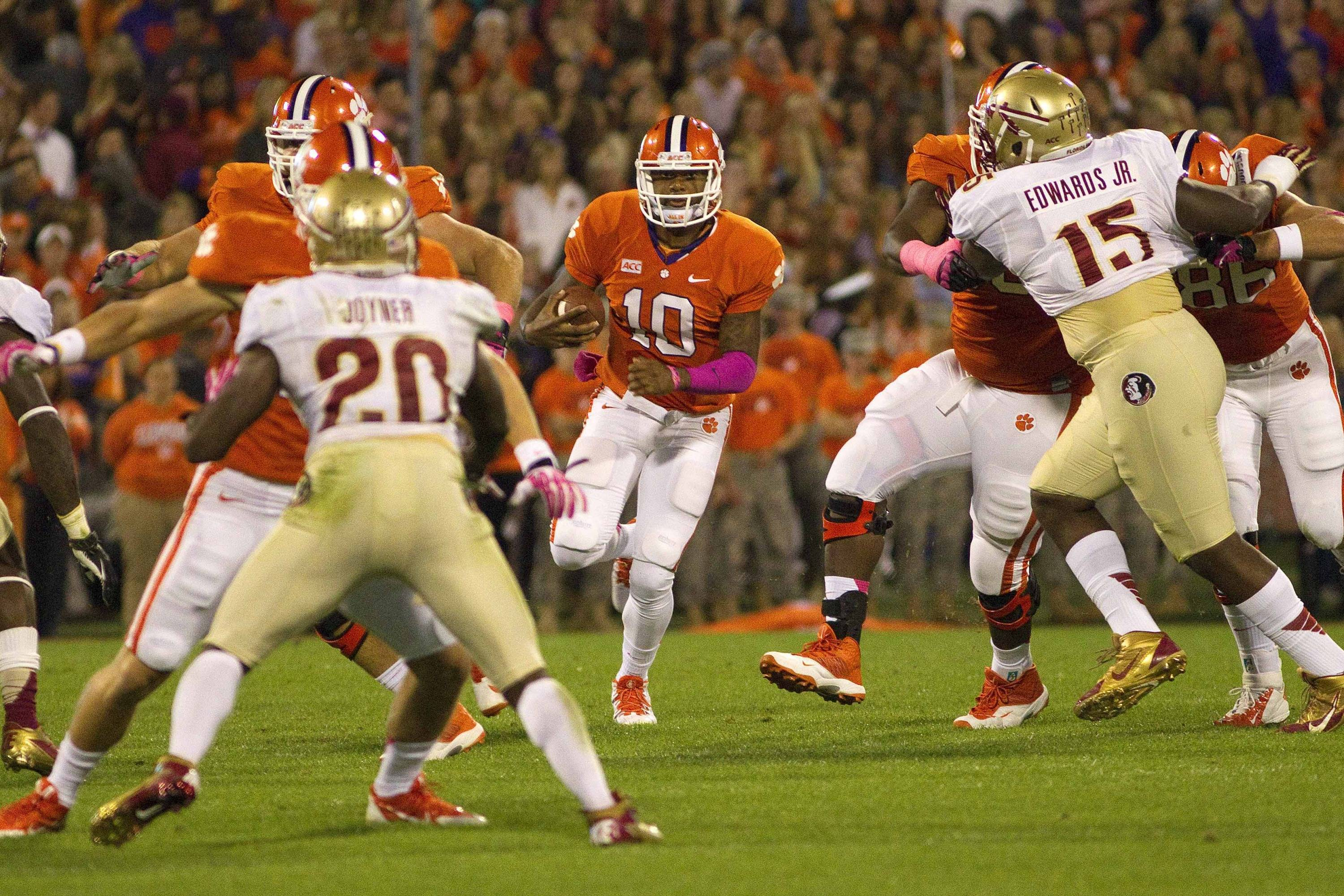 Clemson Tigers quarterback Tajh Boyd (10) on a quarterback keeper during the first quarter against the Florida State Seminoles at Clemson Memorial Stadium. (Joshua S. Kelly-USA TODAY Sports)