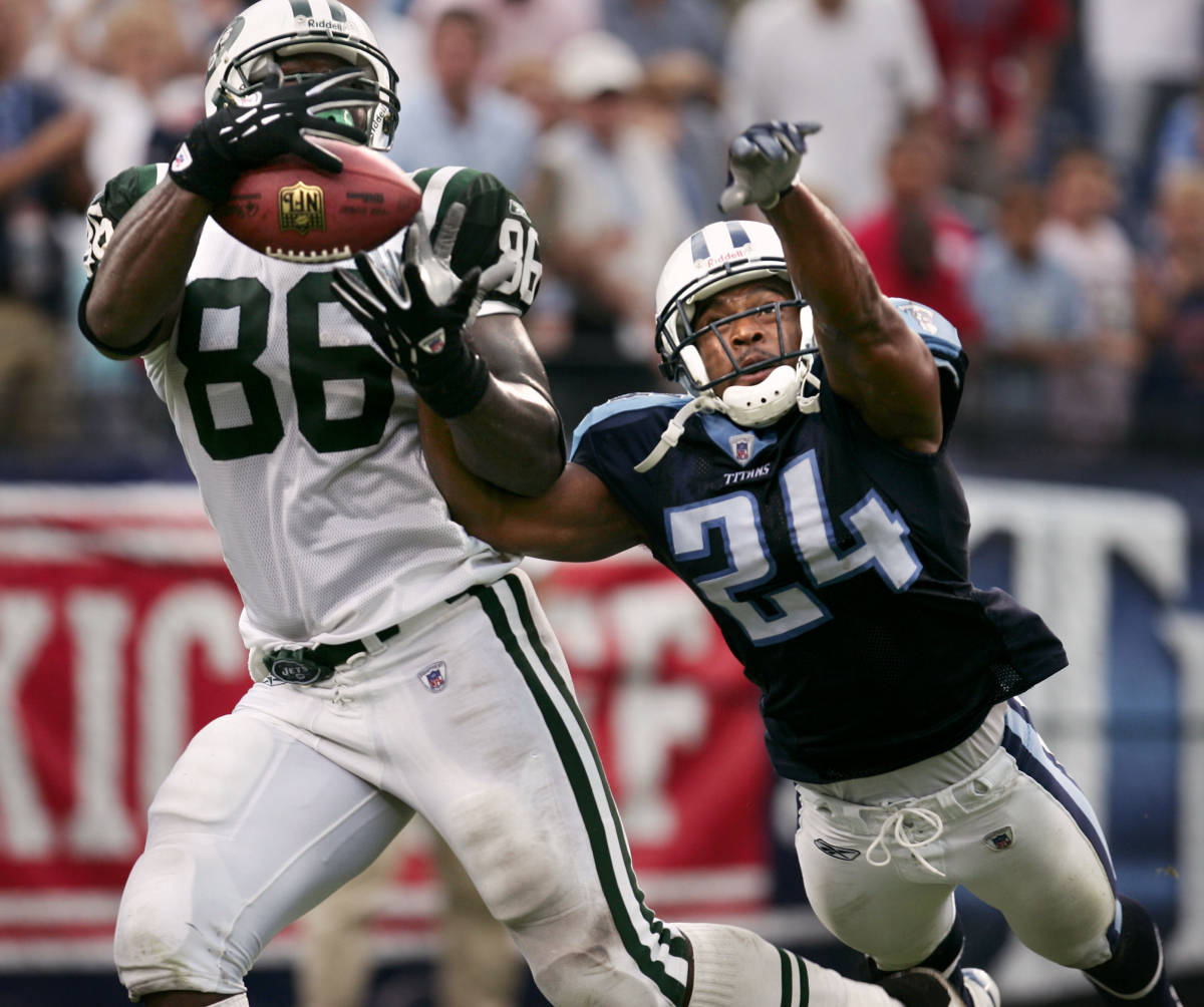 October 2, 2006: Former Seminole and current Tennessee Titan DB Chris Hope leads the NFL#$%^in tackles with 41 after week four.  Over the weekend Hope recorded#$%^eight tackles and an interception against the Dallas Cowboys.