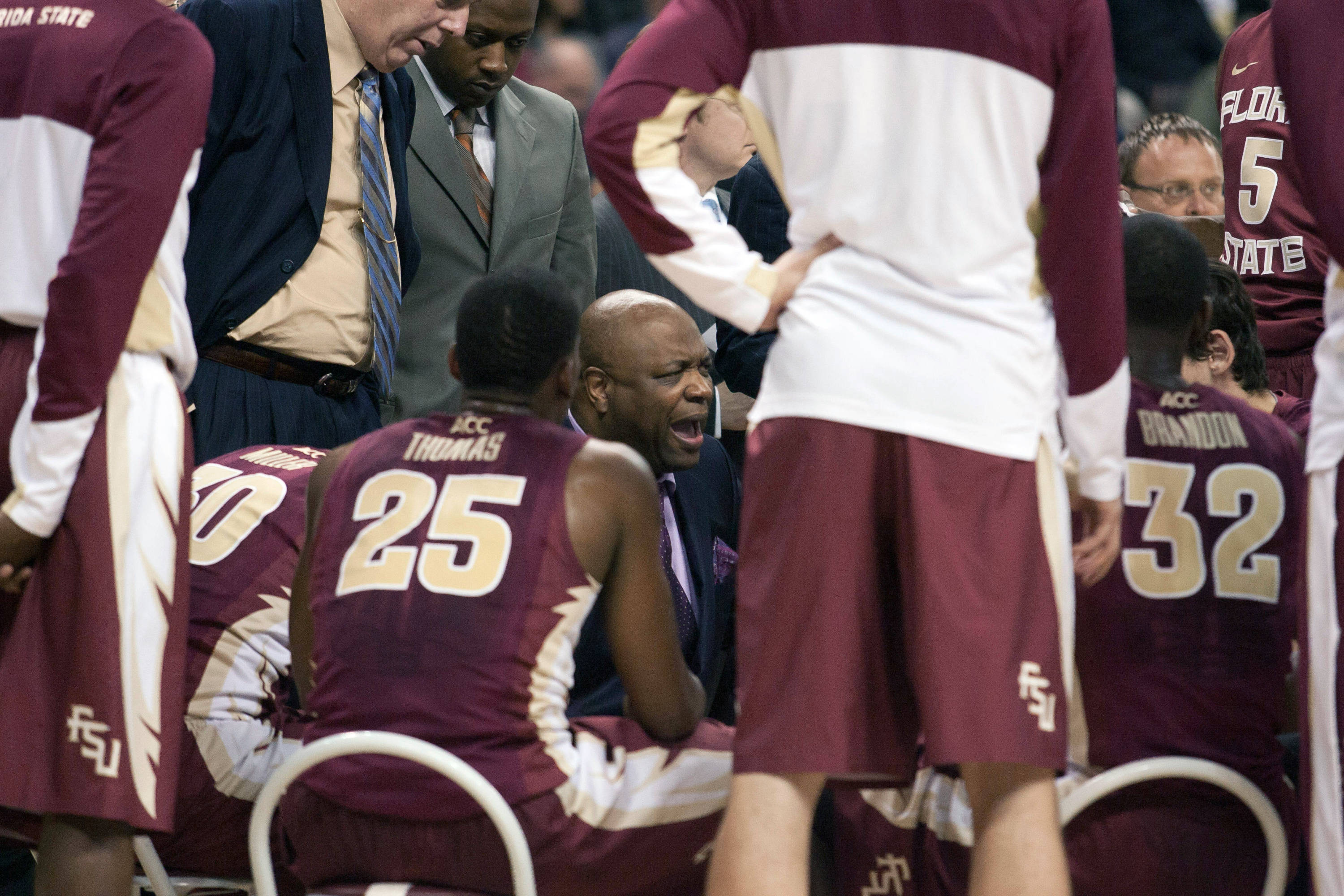 Florida State Seminoles head coach Leonard Hamilton talks with his players during a timeout. (Jeremy Brevard-USA TODAY Sports)
