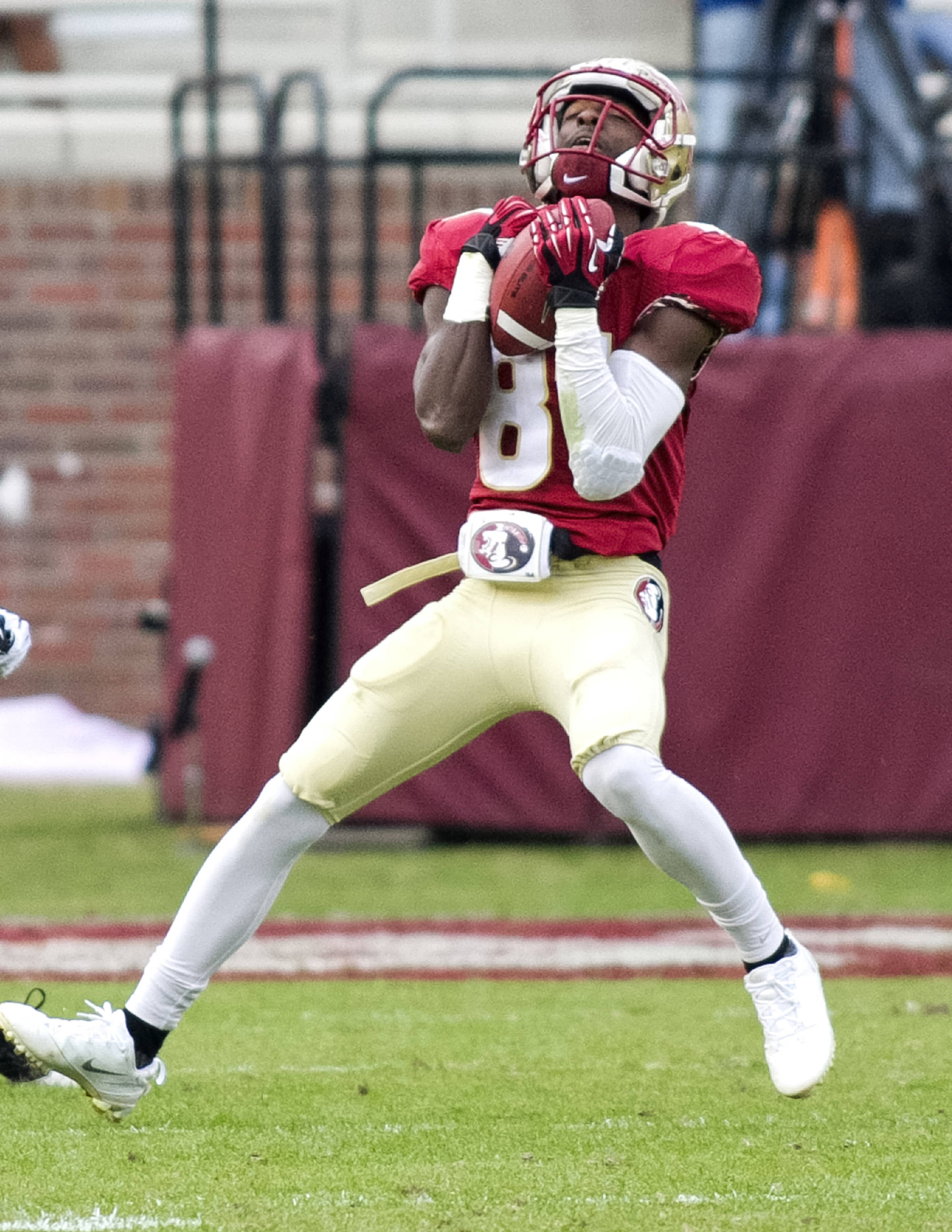 Kenny Shaw (81) with a fair catch on the punt, FSU vs Idaho, 11-23-13,  (Photo by Steve Musco)