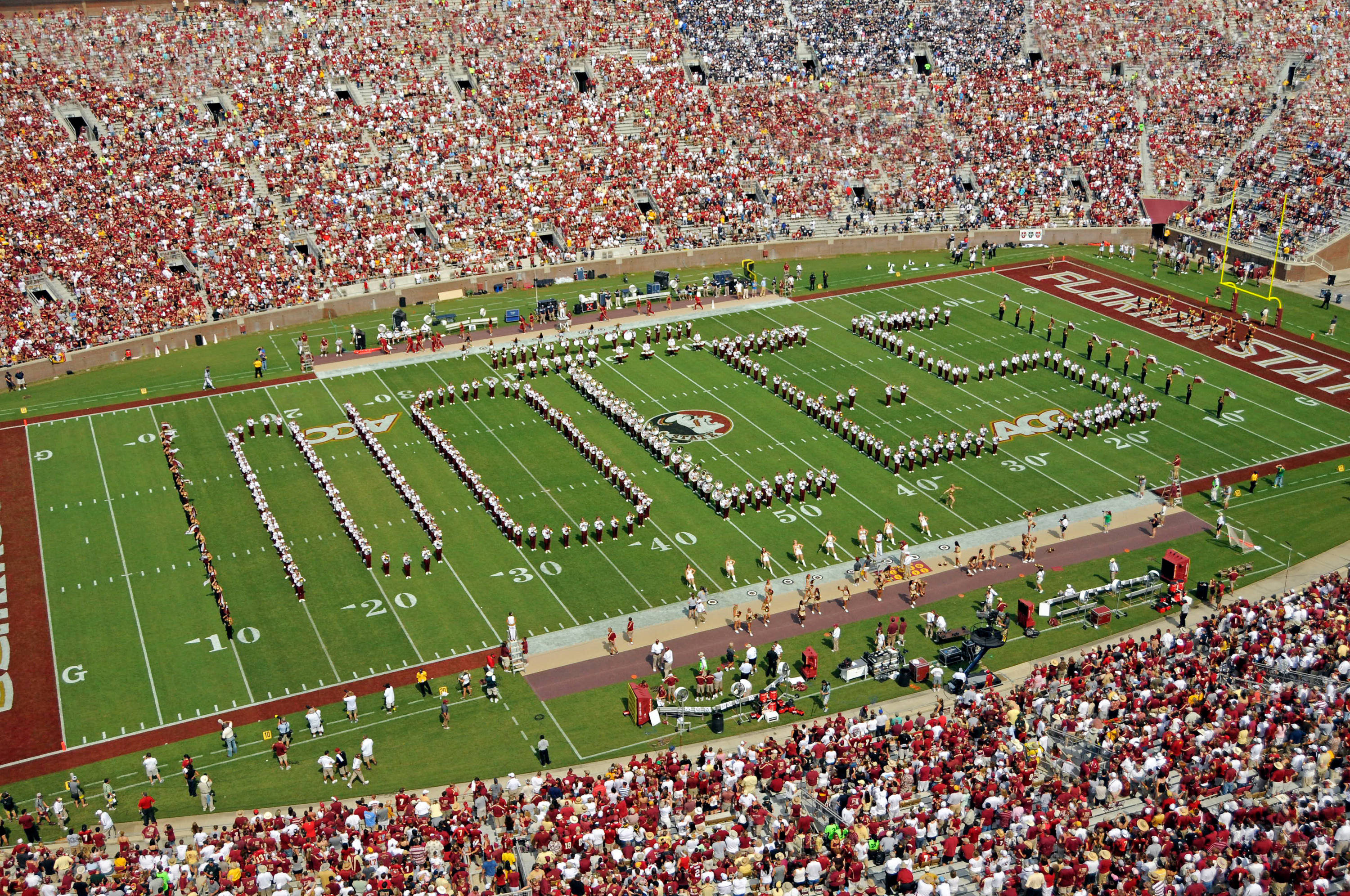 Marching Chiefs spell out NOLES on the field