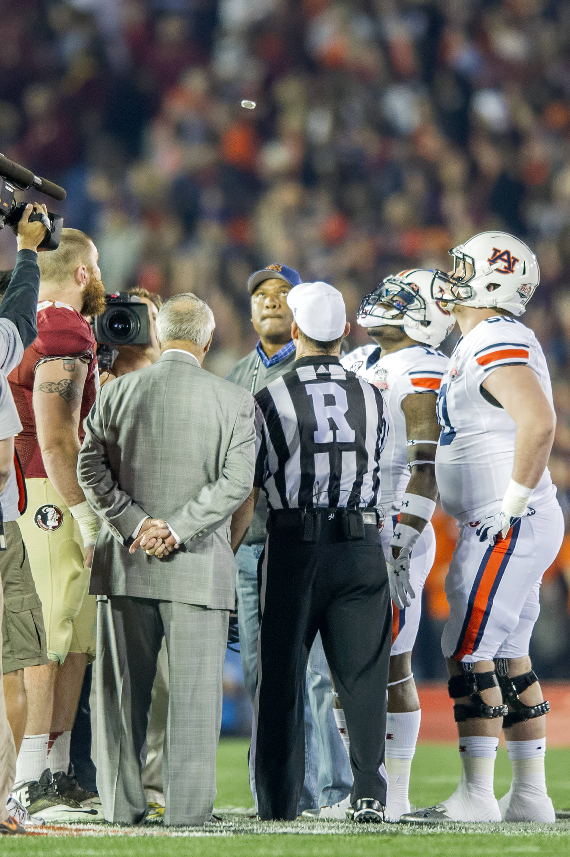 Bobby Bowden serves as Honorary Captain for the coin flip
