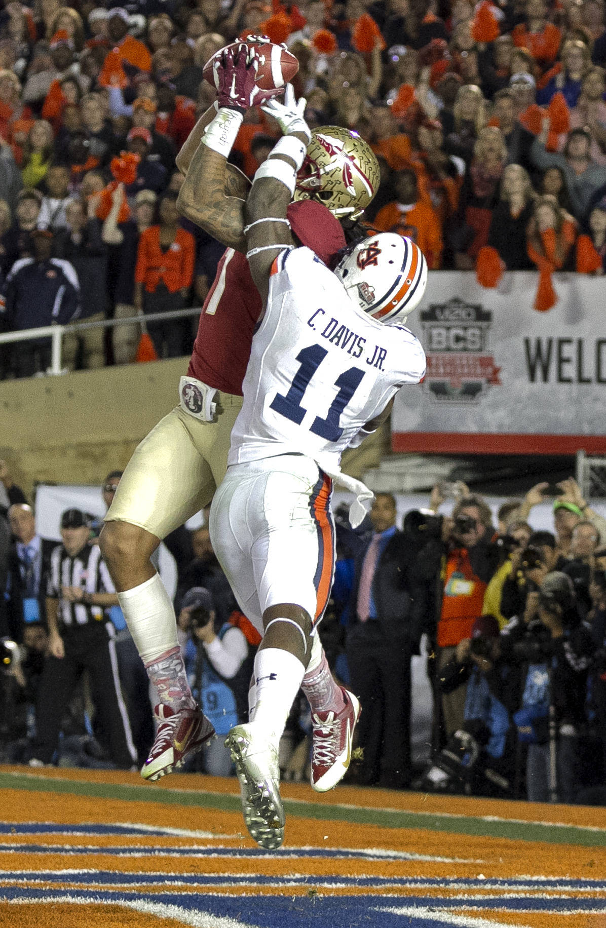 Kelvin Benjamin (1) with his game winning touchdown with 13 seconds left, BCS Championship, FSU vs Auburn, Rose Bowl, Pasadena, CA,  1-06-14,  (Photo by Steve Musco)