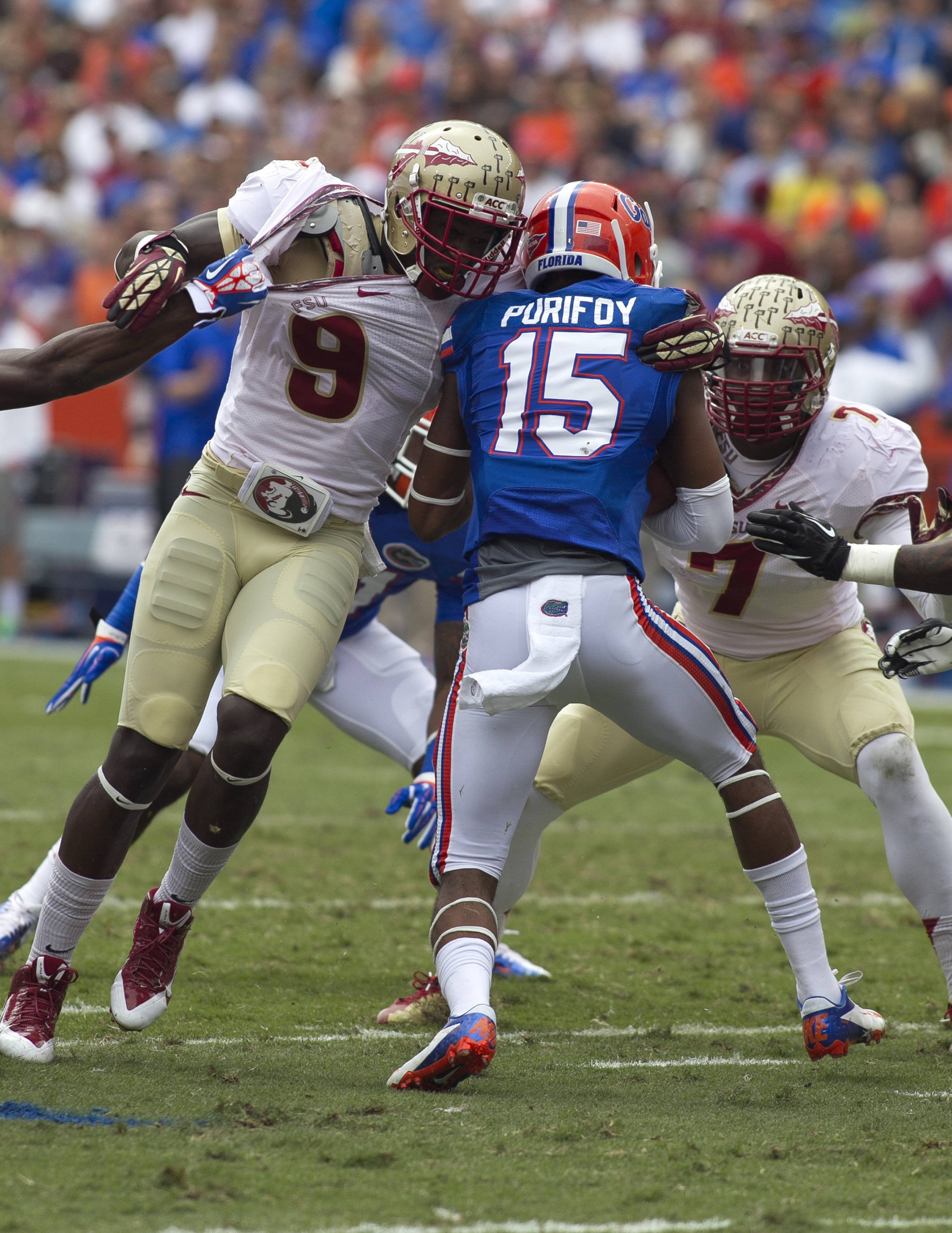No place to run, FSU vs Florida, 11-30-13,  (Photo by Steve Musco)