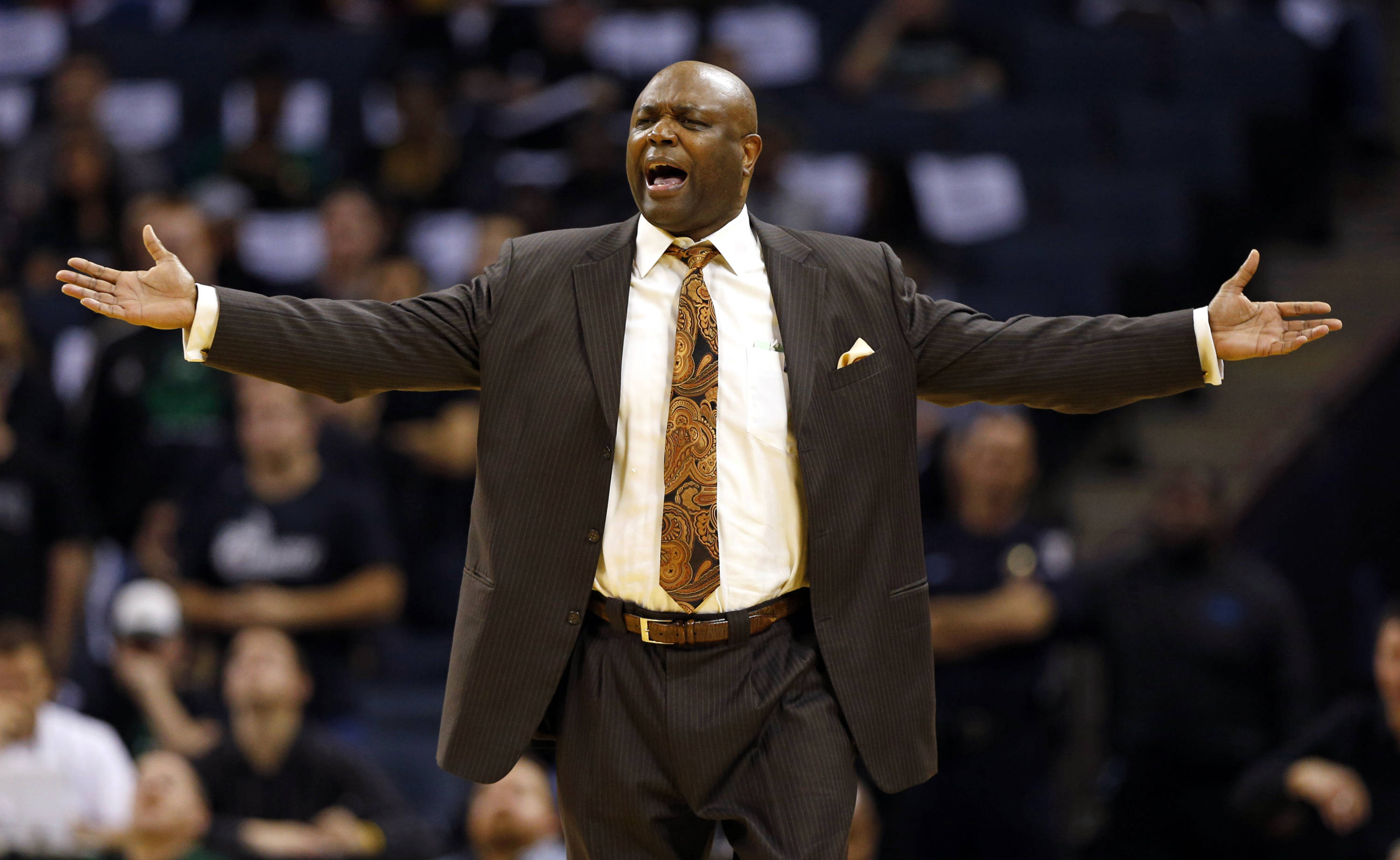 Florida State head coach Leonard Hamilton reacts to a call during the first half. (AP Photo/Chuck Burton)