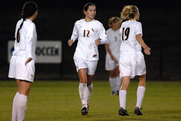 The Seminole backline: Erika Sutton, Libby Gianeskis, Becky Edwards and Katrin Schmidt (in the background)