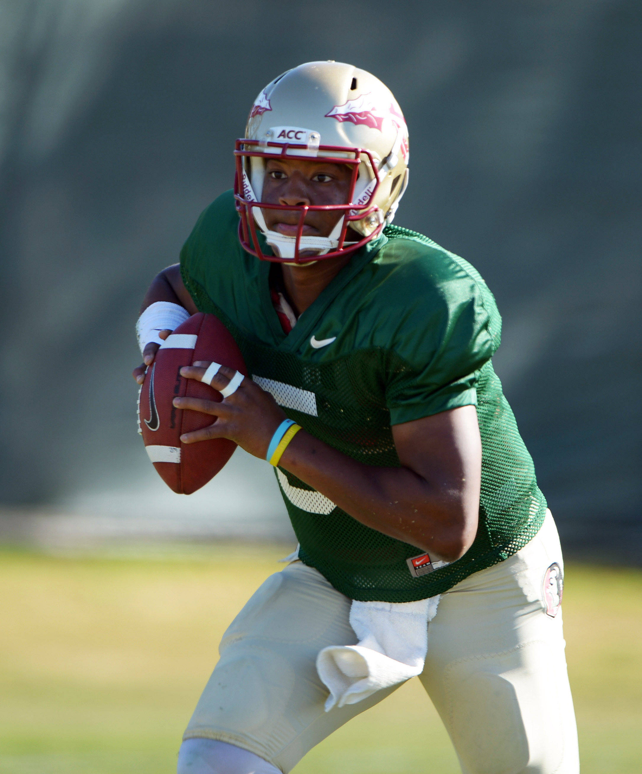 Florida State Seminoles quarterback Jameis Winston (5) throws a pass at practice for the 2014 BCS National Championship. Mandatory Credit: Kirby Lee-USA TODAY Sports
