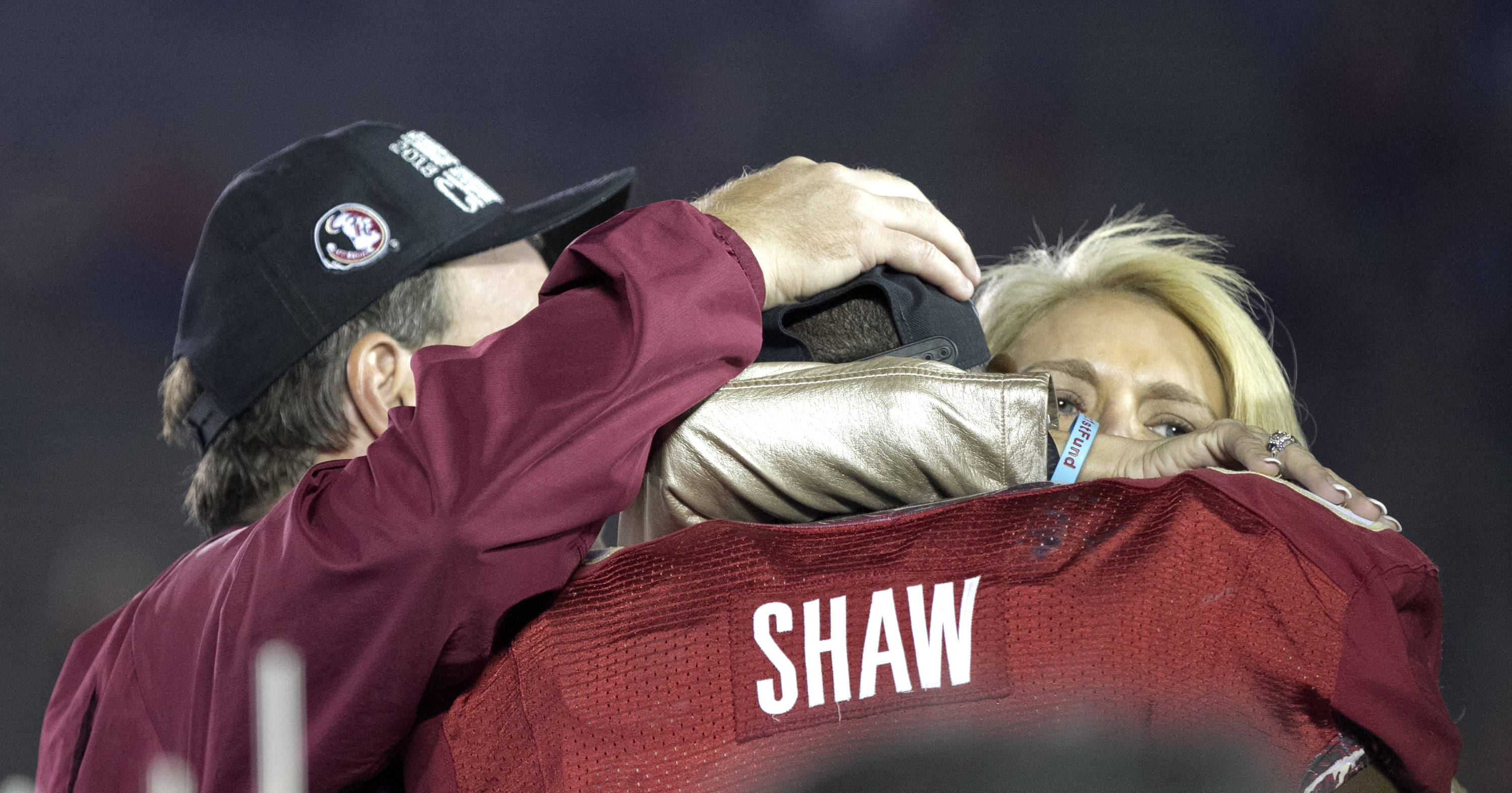 The Fishers show their love for Kenny Shaw (81), BCS Championship, FSU vs Auburn, Rose Bowl, Pasadena, CA,  1-06-14,  (Photo by Steve Musco)