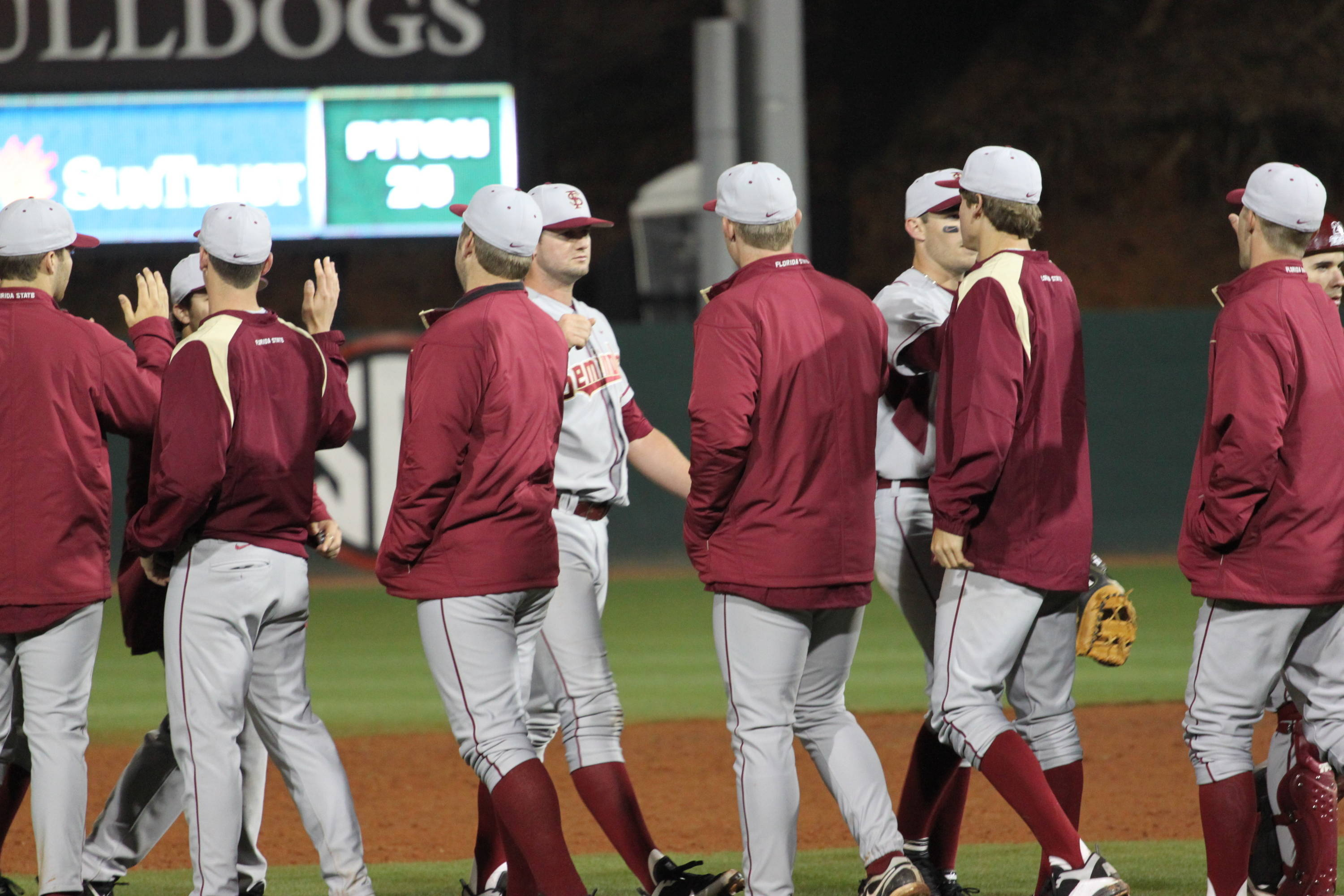 The Seminoles win, 6-5