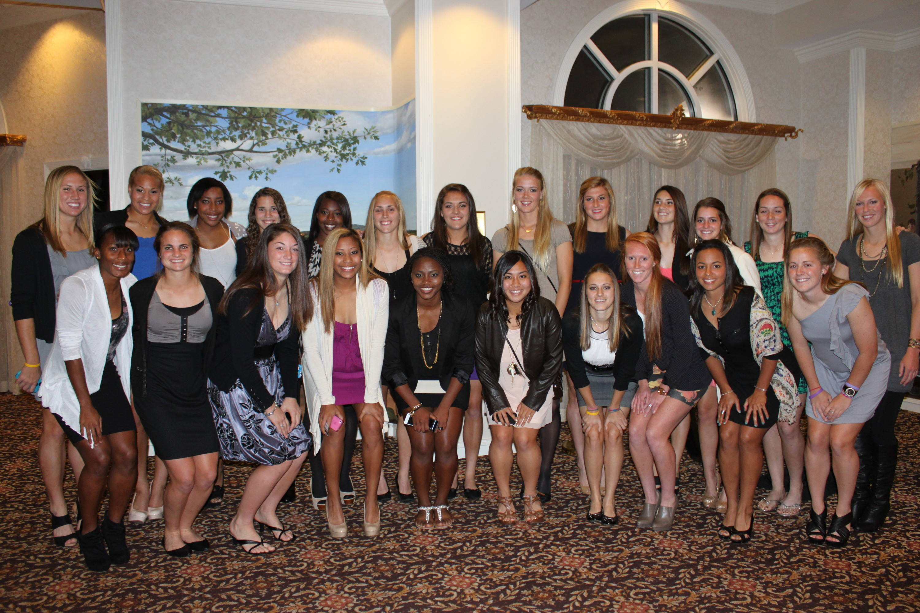 The Seminoles pose at the hotel prior to the College Cup banquet.