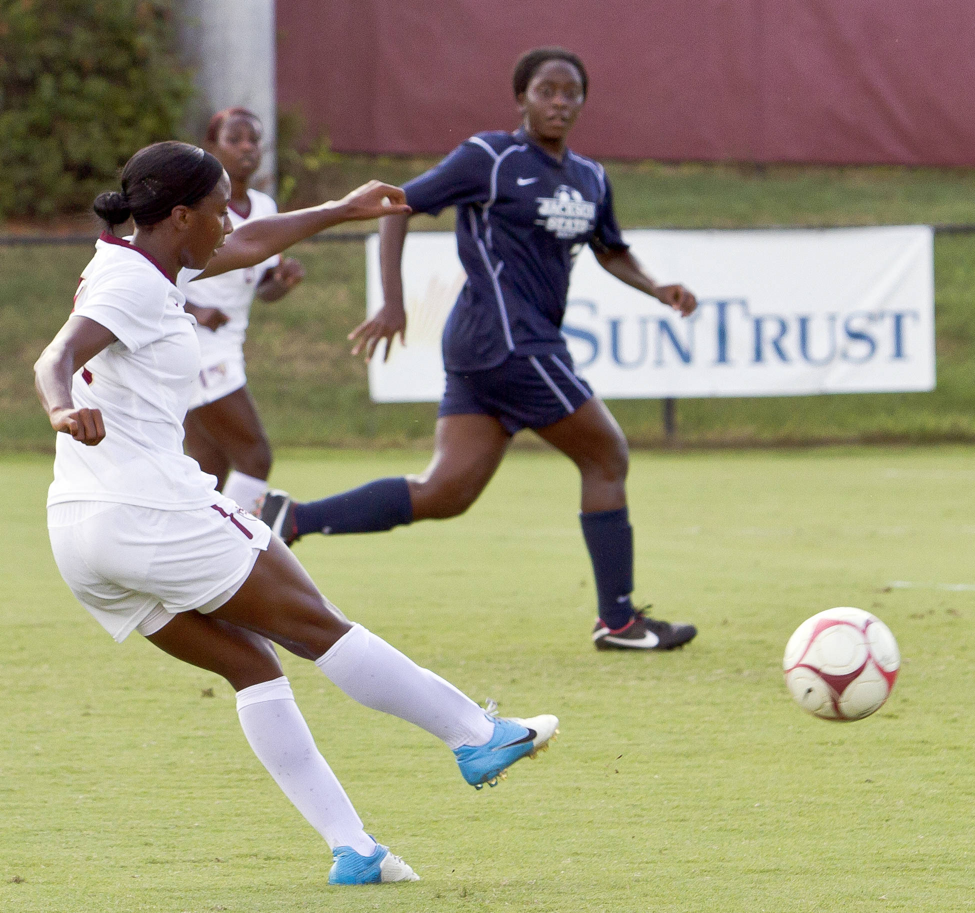 Tiffany McCarty (14) scoring FSU's first goal of the match, FSU vs Jackson State, 9/21/12 (Photo by Steve Musco)
