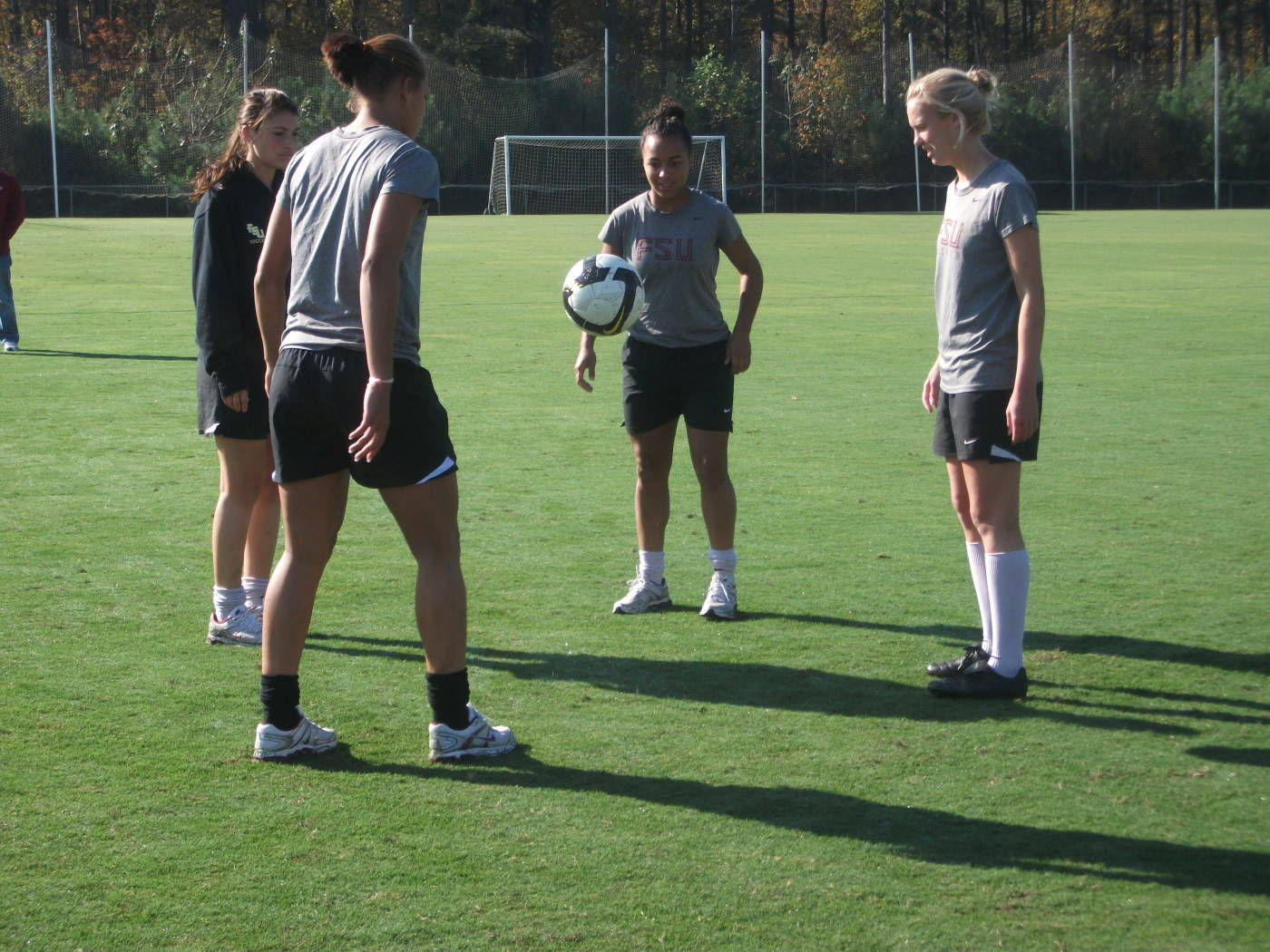 Tiana Brockway, Toni Pressley, Ella Stephan and Ines Jaurena work on their juggling skills.