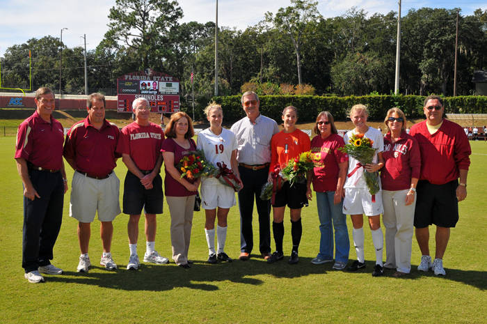 The 2009 Seminole Senior Class with their parents, head coach Mark Krikorian and Athletics Director Randy Spetman