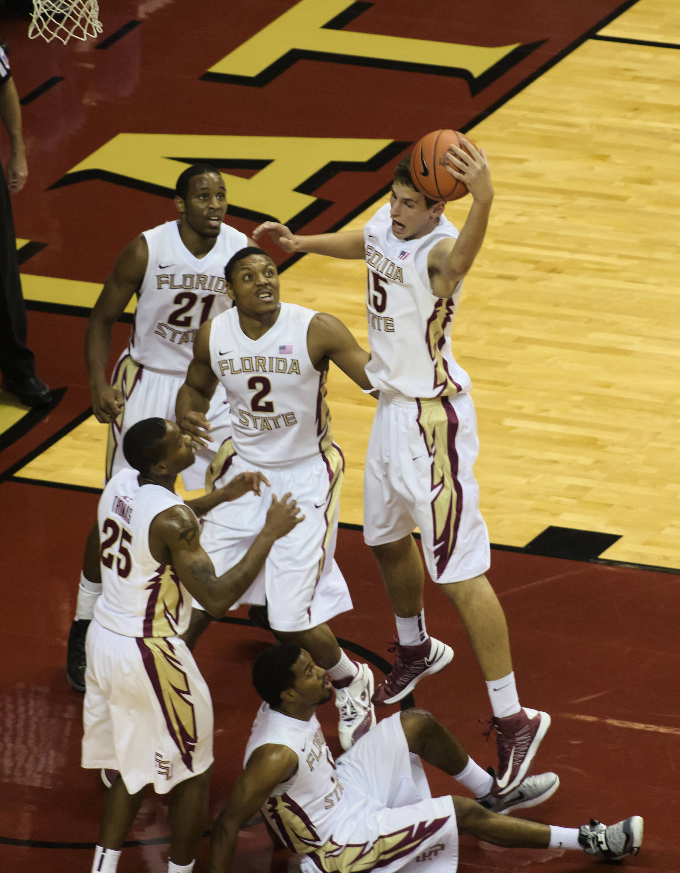 Team Defense, FSU vs No. Fla, 11/21/12. (Photo by Steve Musco)
