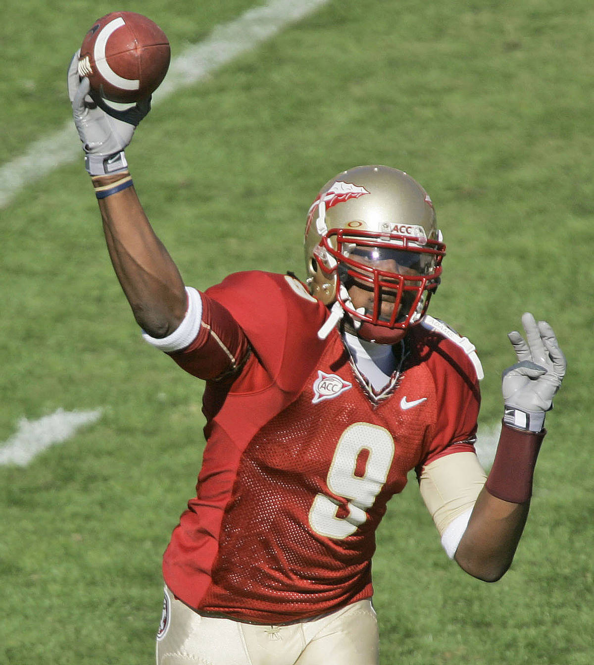 Florida State quarterback Xavier Lee throws pass against Virginia during the third-quarter of a college football game, Saturday, Nov. 4, 2006, in Tallahassee, Fla. Florida State won 33-0. (AP Photo/Phil Coale)