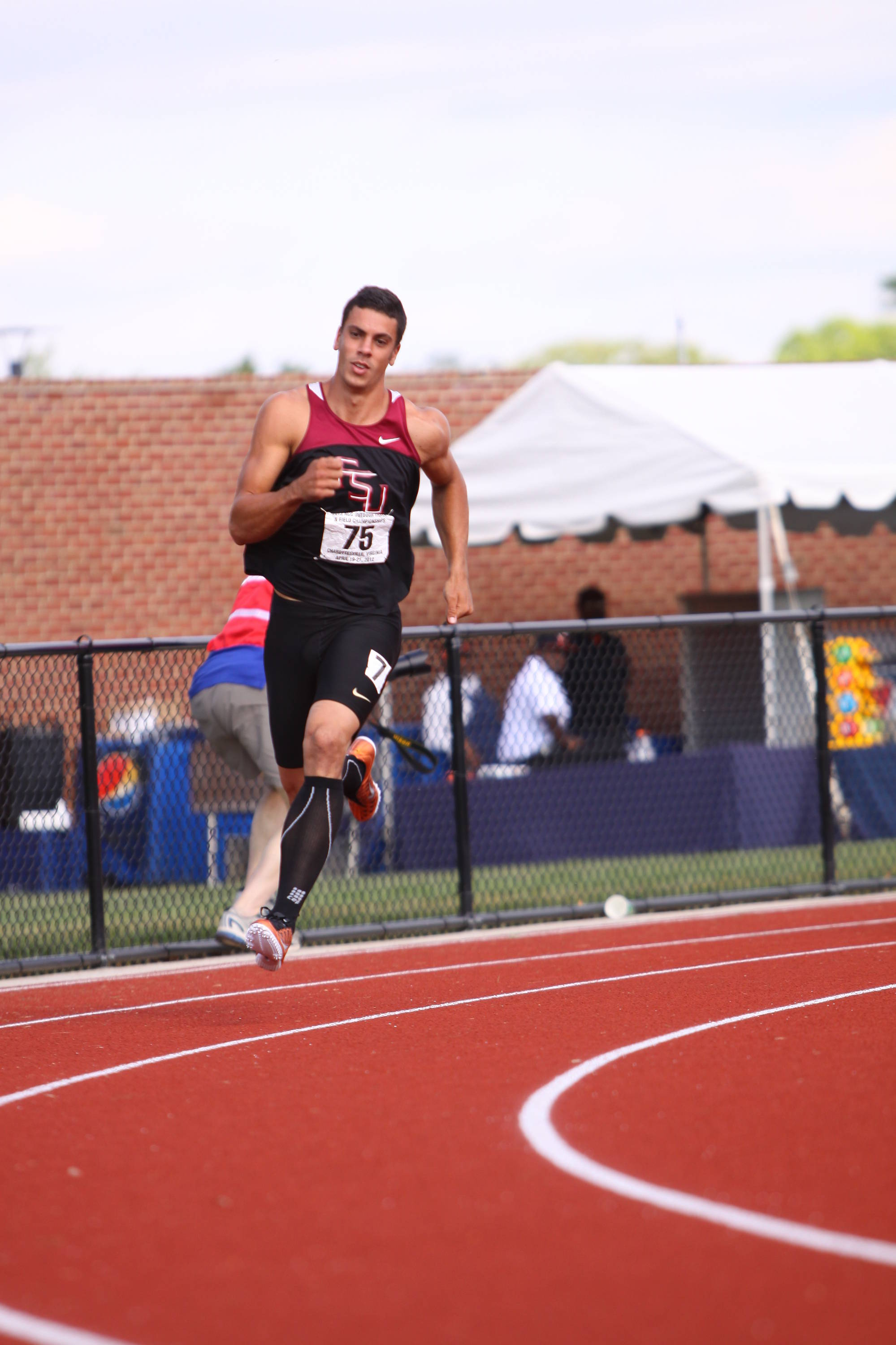 The 400-meter dash led to another lead change as Barroilhet scored 776 points for his 50.48 time, while Beach ran a blistering 46.96 for 960 points. At the end of Day 1, Beach held a nine-point lead over Barroilhet, 4060-4051.