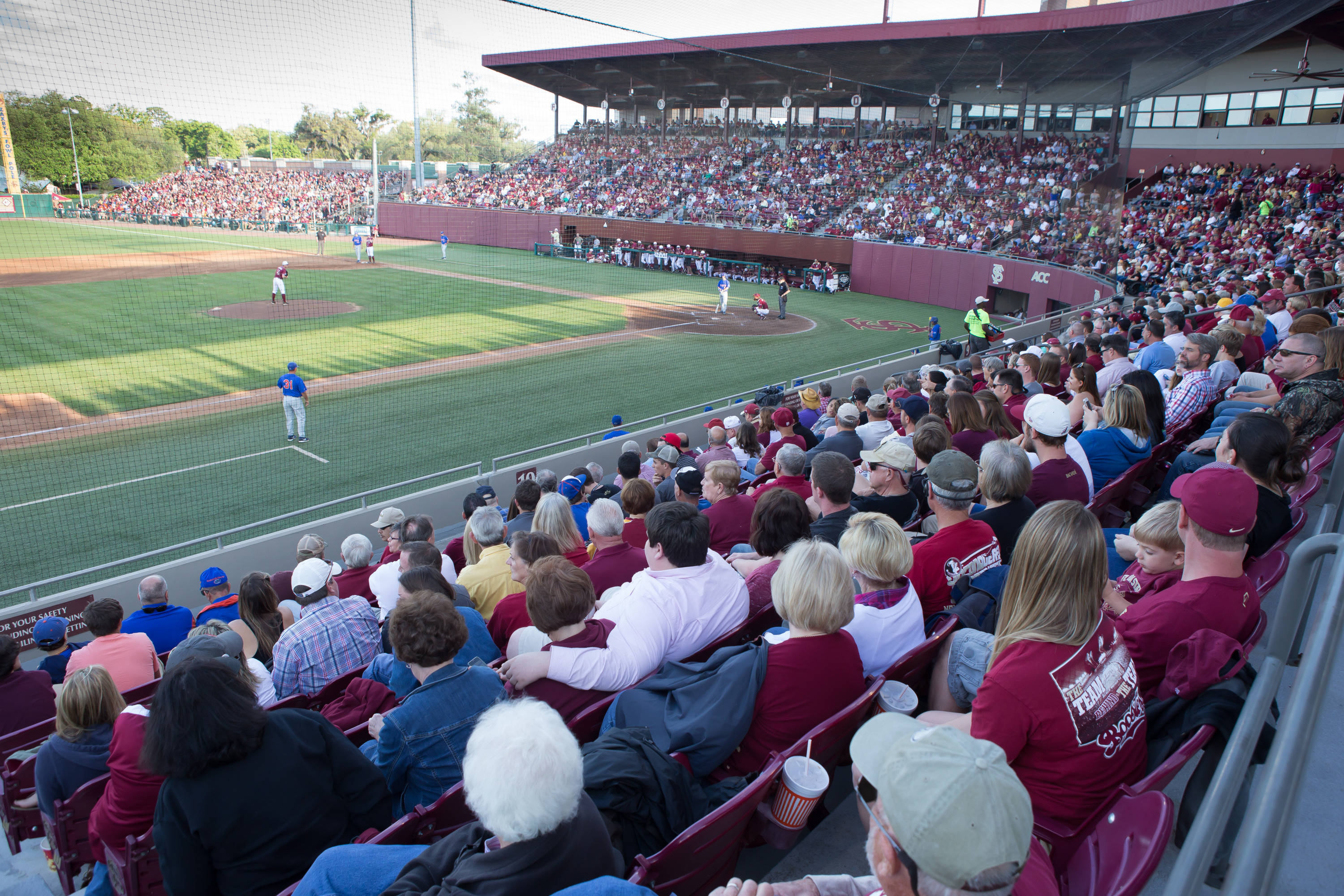 Attendance at the game was 6514.