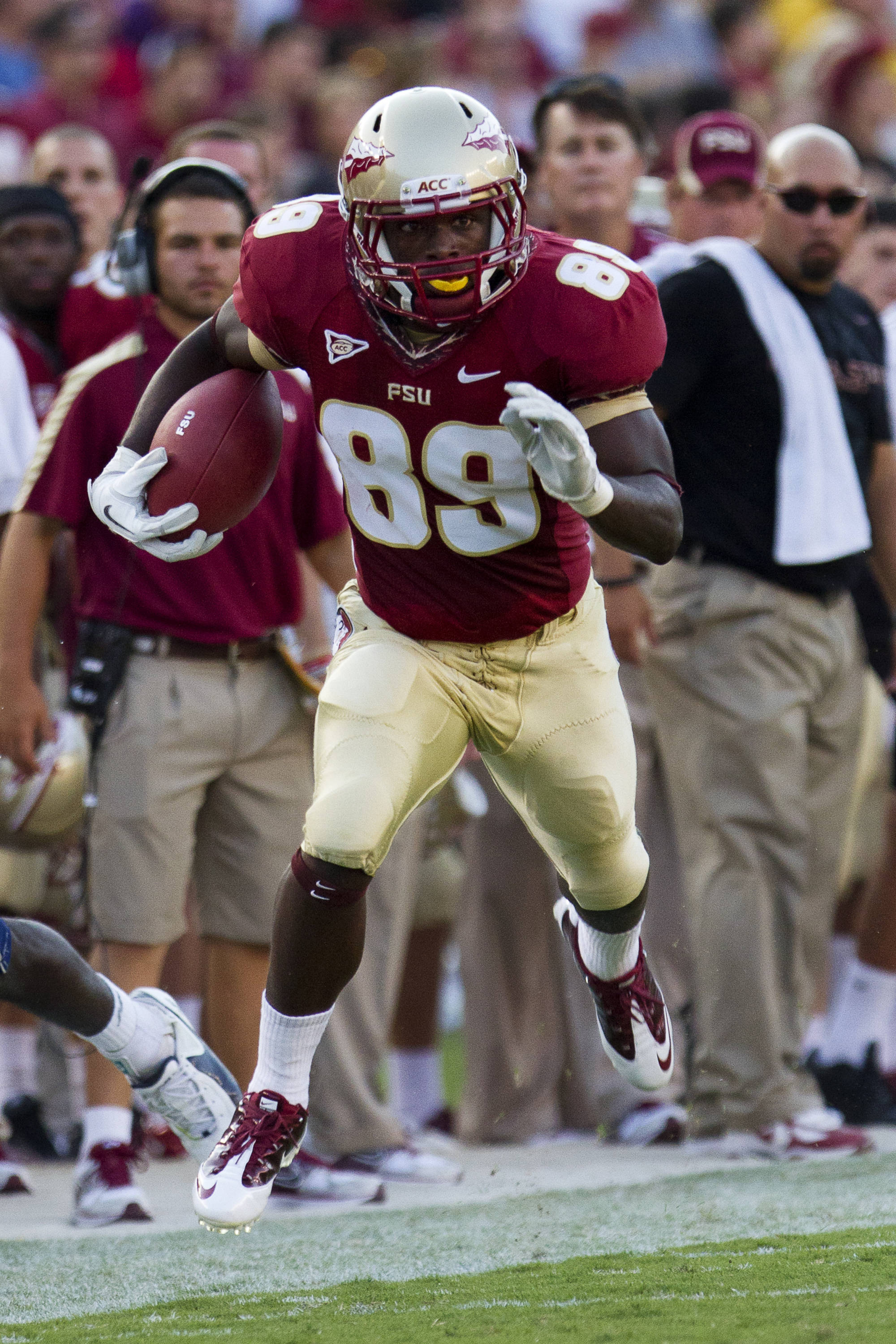Christian Green (89) carries the ball down the line during the game against CSU on September 10, 2011.