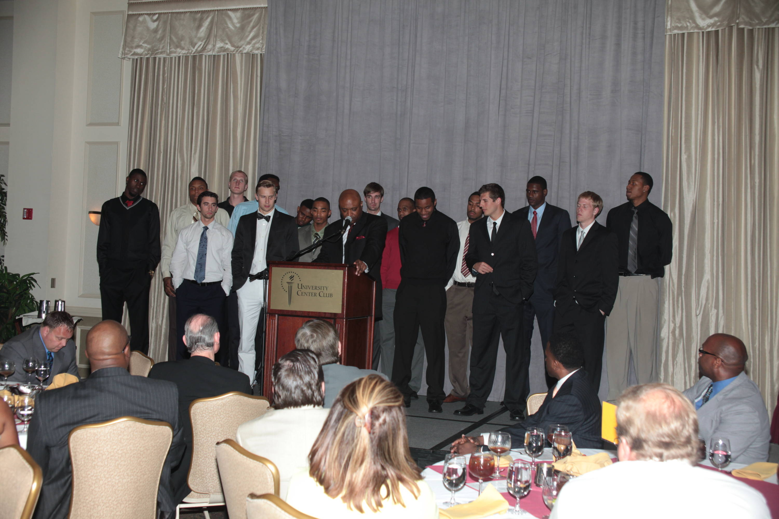 2011 Men's Basketball Banquet - Team Picture