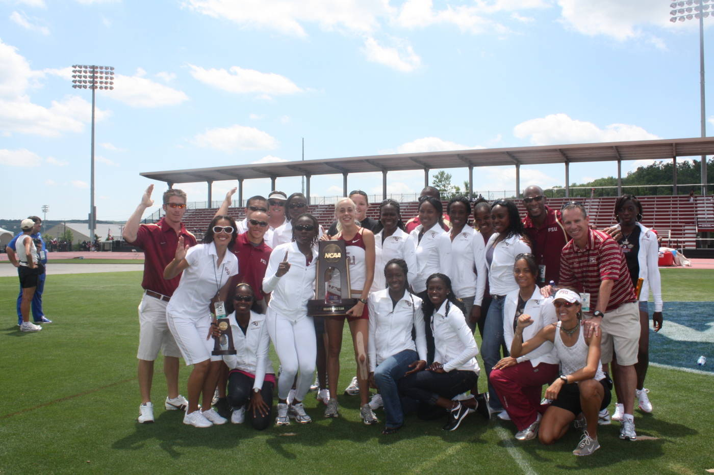 The fourth-place finishers ... the 2009 FSU women's track & field team.