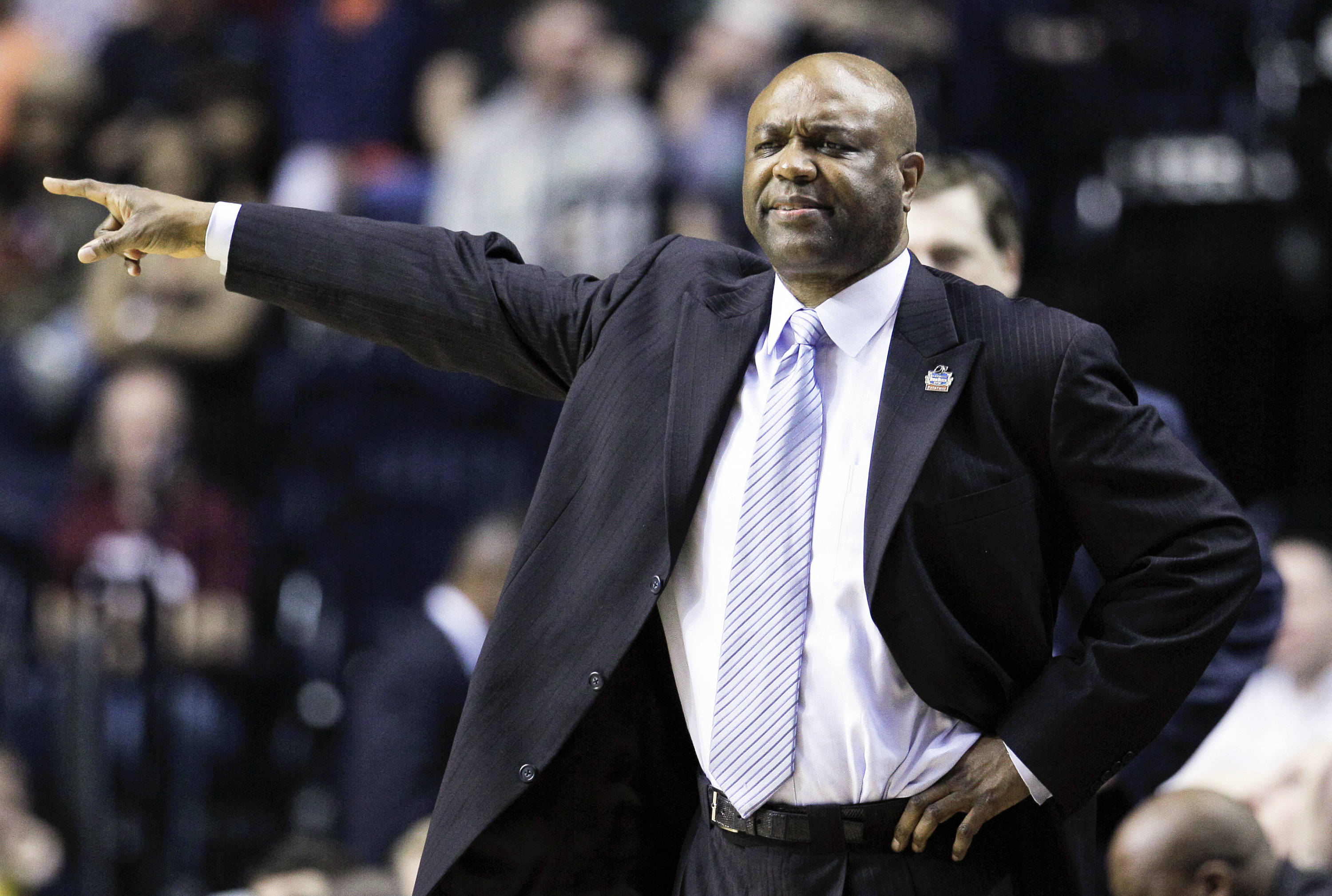 Leonard Hamilton directs his players in the second half. (AP Photo/Mark Humphrey)