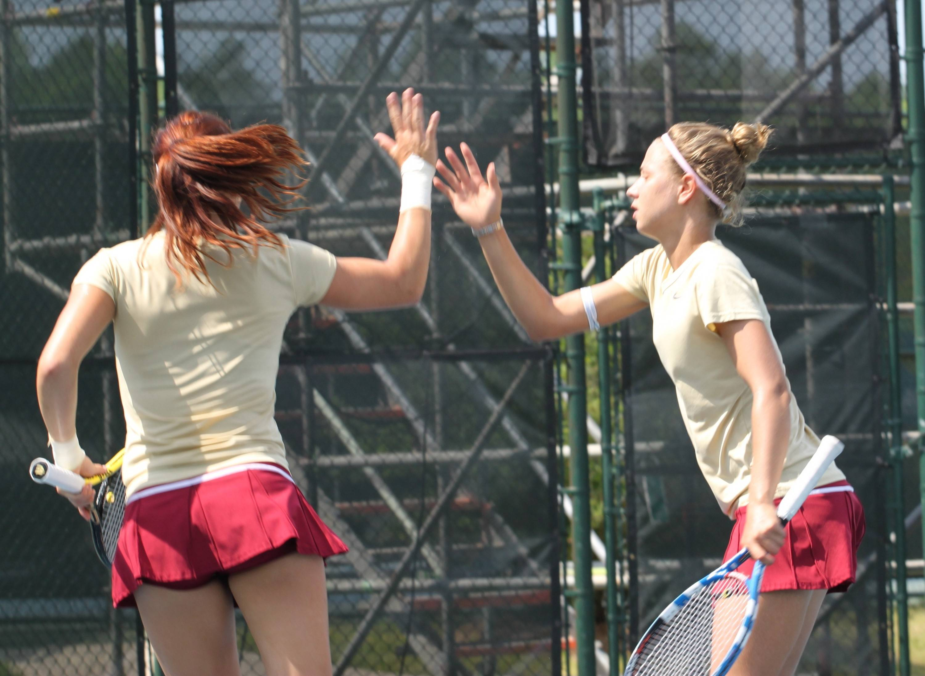 Noemie Scharle and Federica Suess in doubles.