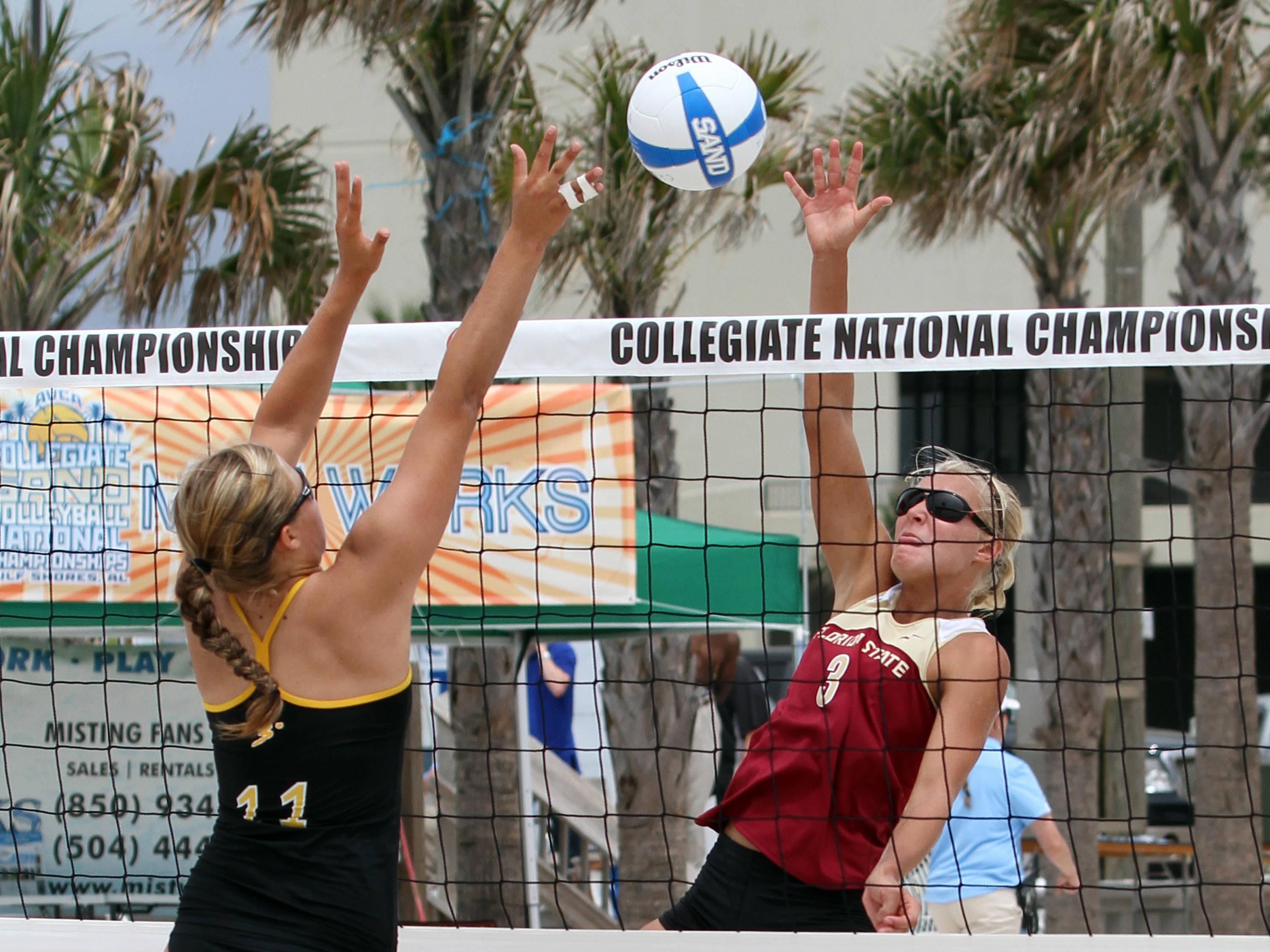 Julie Brown (3), AVCA Collegiate Sand Volleyball National Championships,  Gulf Shores, Alabama,05/03/13 . (Photo by Steve Musco)