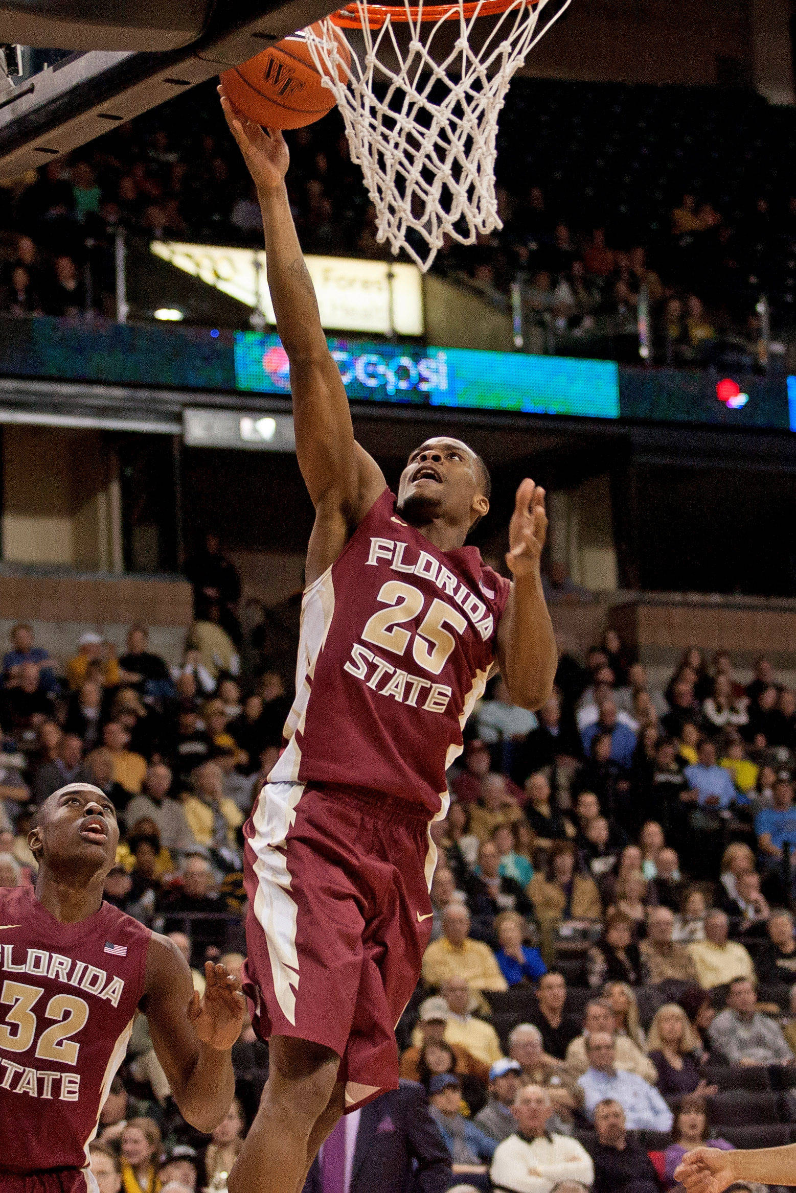 Florida State Seminoles guard Aaron Thomas (25) shoots during the second half. (Jeremy Brevard-USA TODAY Sports)