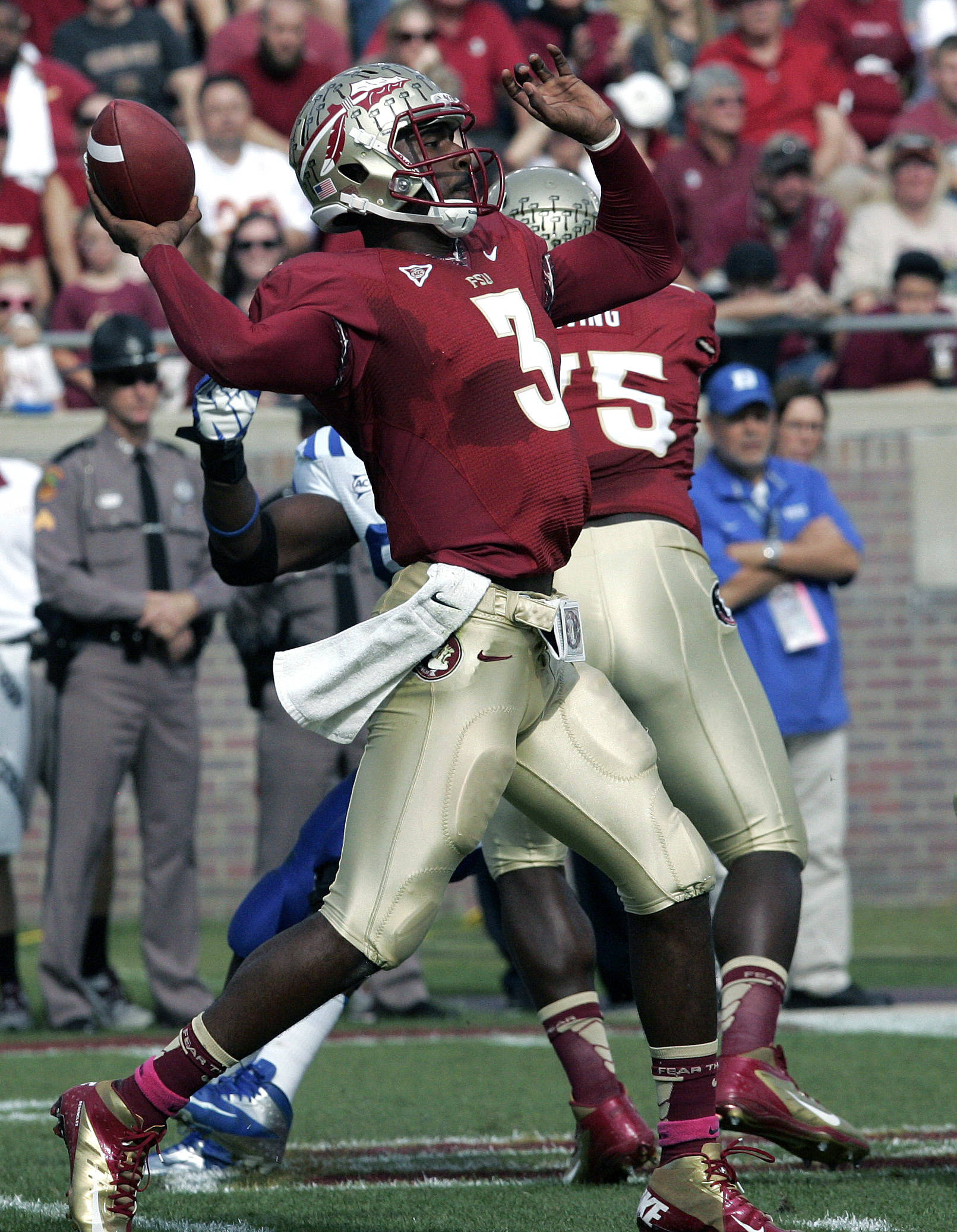 Florida State's EJ Manuel throws to Rashad Greene for a touchdown against Duke in the first quarter. (AP Photo/Steve Cannon)