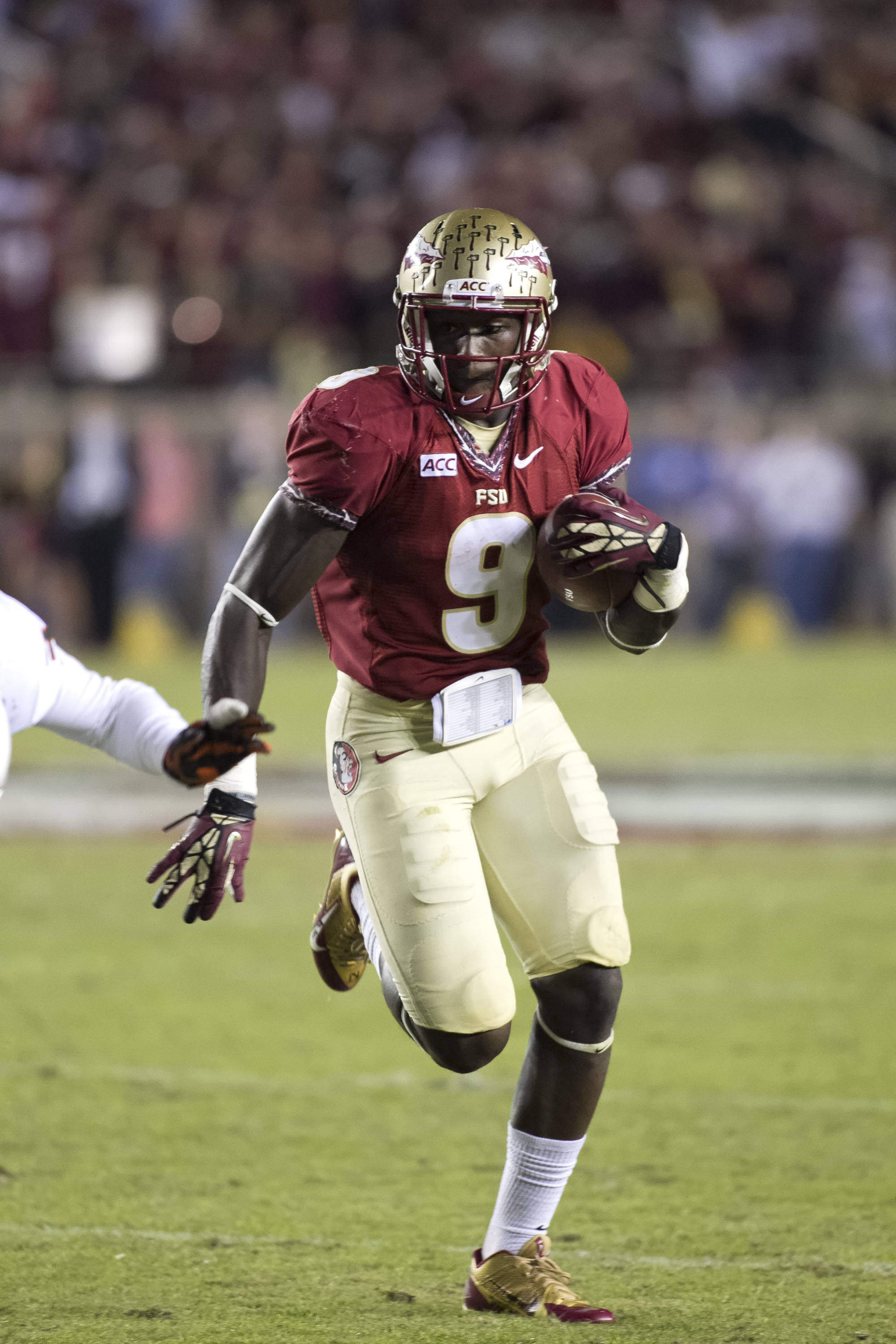 Karlos Williams (9), FSU vs Miami,  11-2-13, (Photo by Steve Musco)