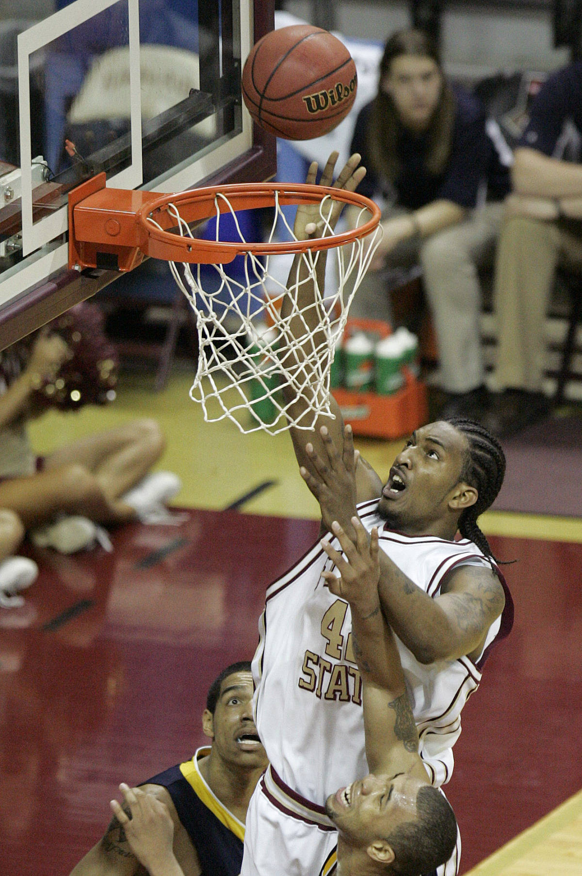 Florida State's Ryan Reid splits Toledo's defense. (AP Photo/Steve Cannon)