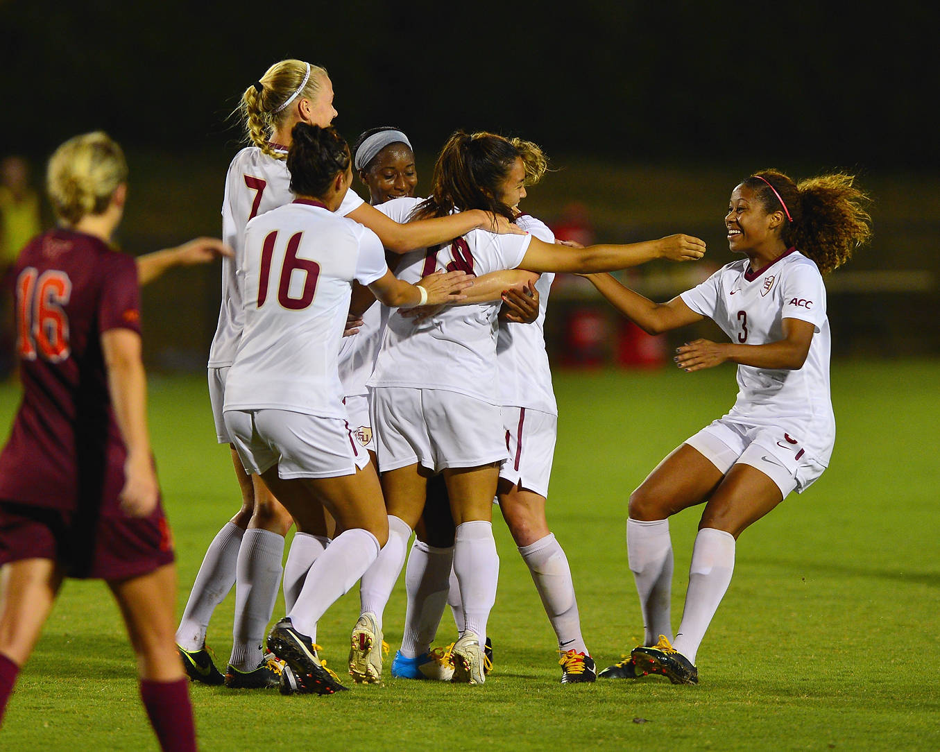 The Seminoles celebrate after the first goal of the game scored by Hikaru Murakami