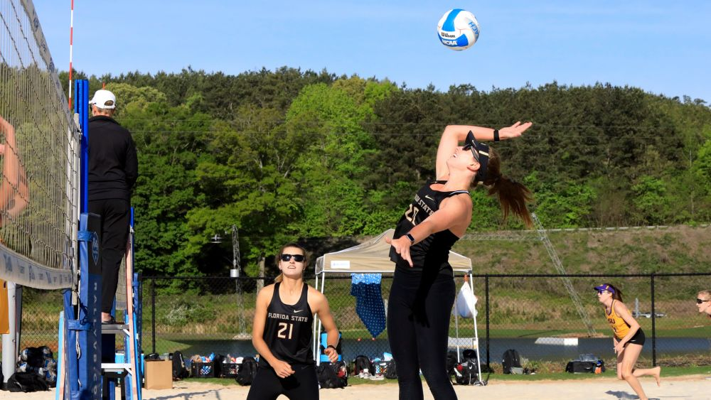 Beach Volleyball Advances, Looks for Third Straight Conference Title on Sunday