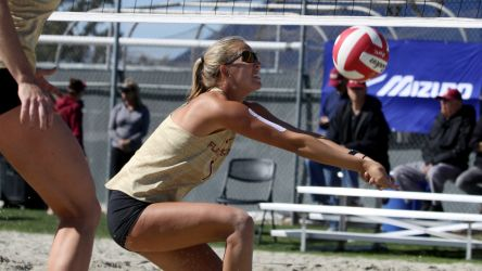 Beach Volleyball Sweep UNCW