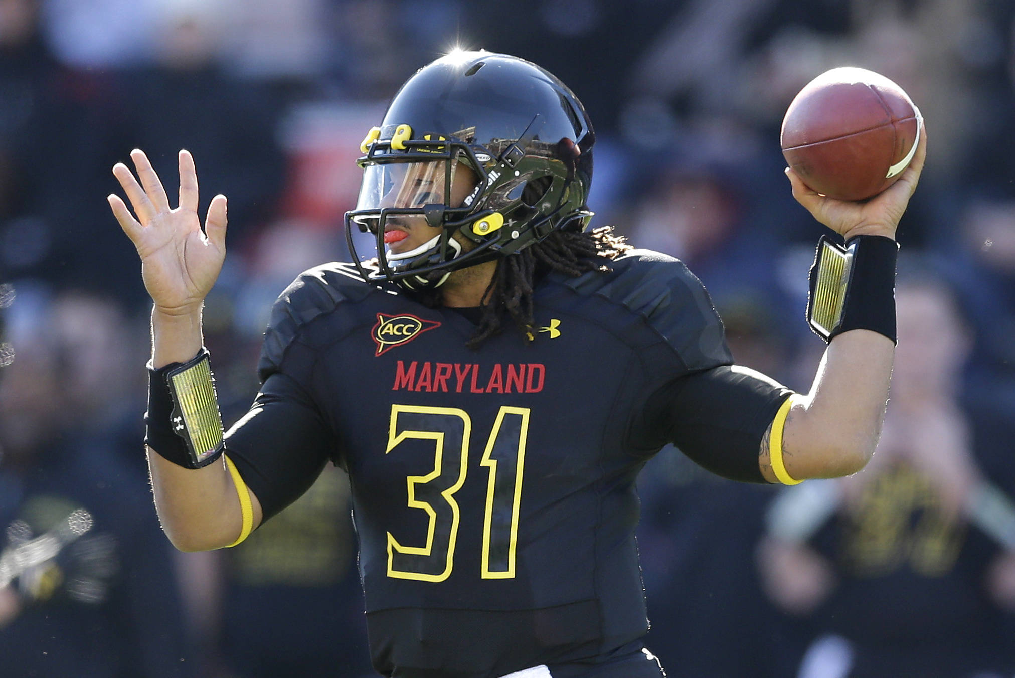 Maryland quarterback Shawn Petty throws to a receiver in the first half of an NCAA college football game against Florida State in College Park, Md., Saturday, Nov. 17, 2012. (AP Photo/Patrick Semansky)