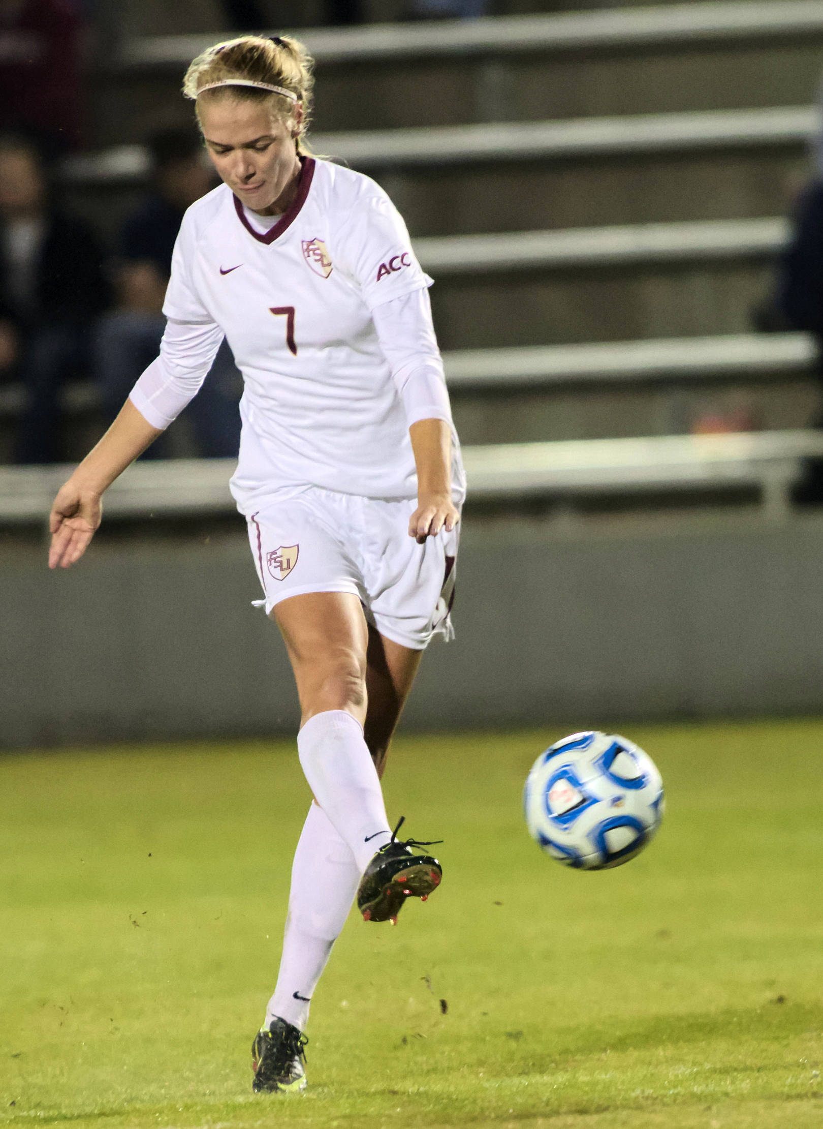 Dagny Brynjarsdottir (7), FSU vs MVSU, 11/09/12. (Photo by Steve Musco)