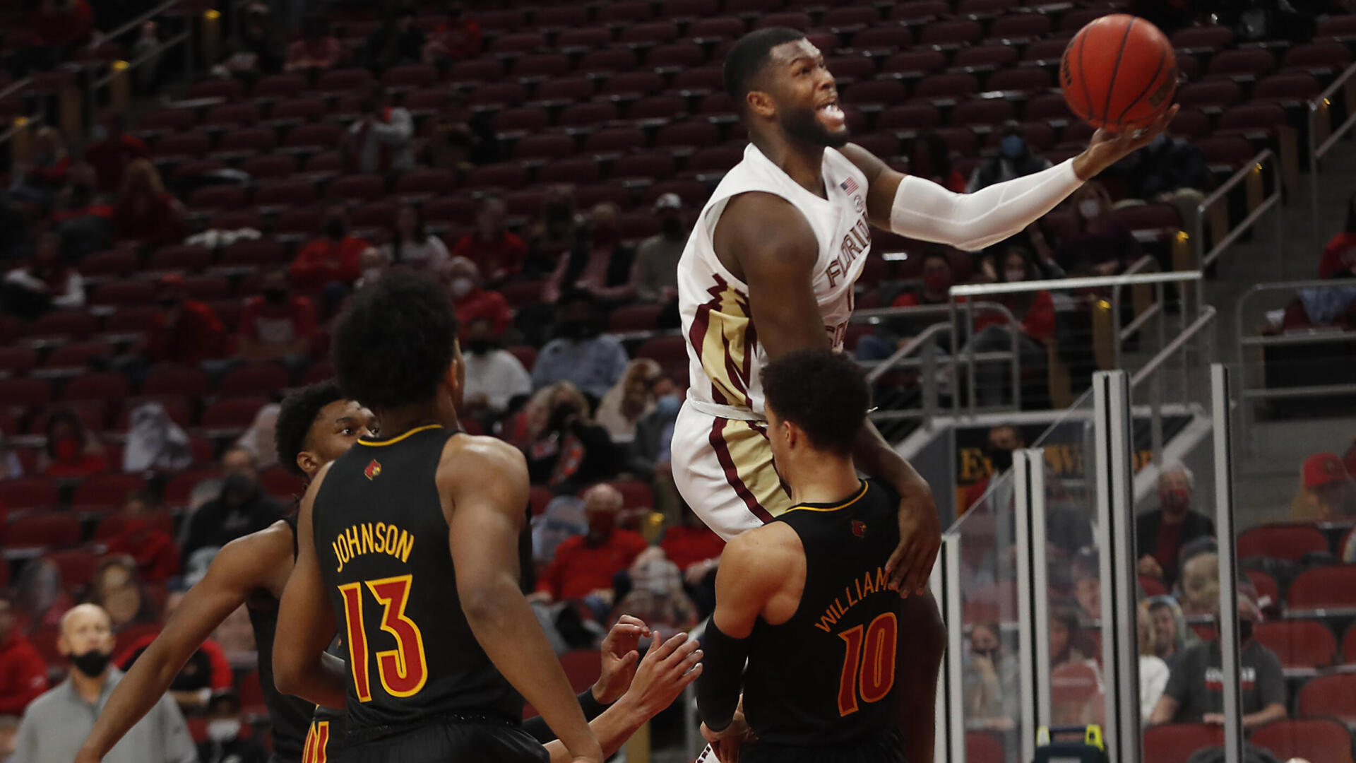 Gray Leads Basketball to Fourth Straight Win Over Louisville